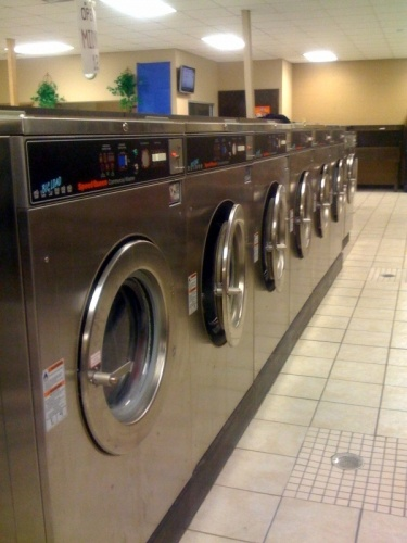 AK's Super Clean Coin Laundry image 0