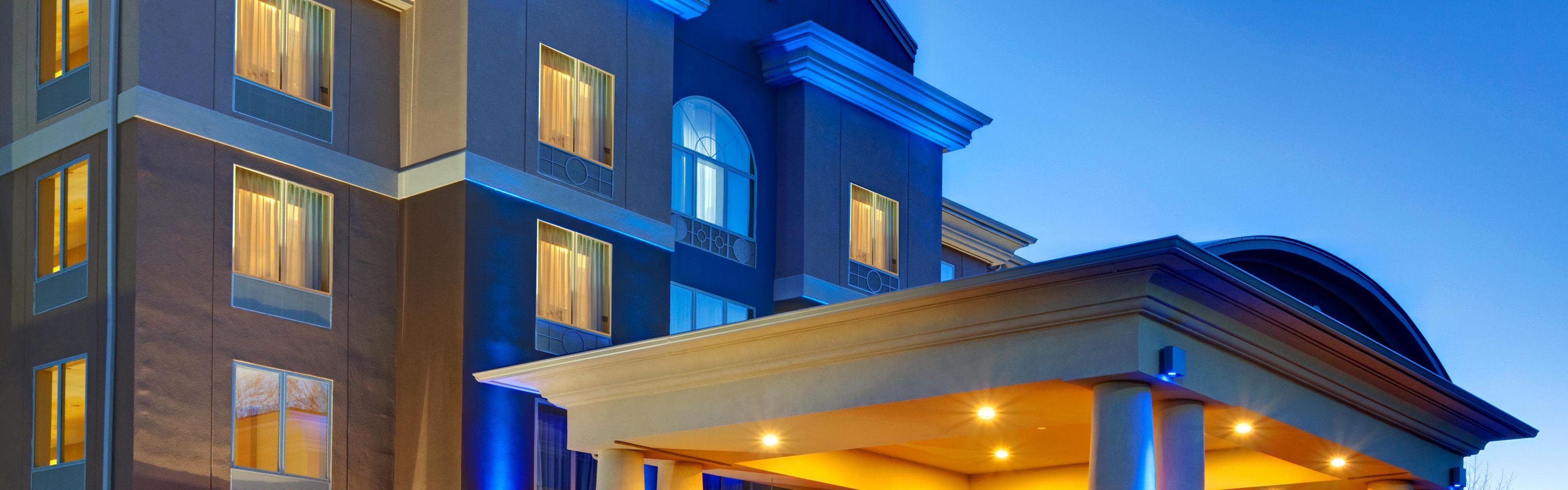 Holiday Inn Express & Suites Hamburg image 0