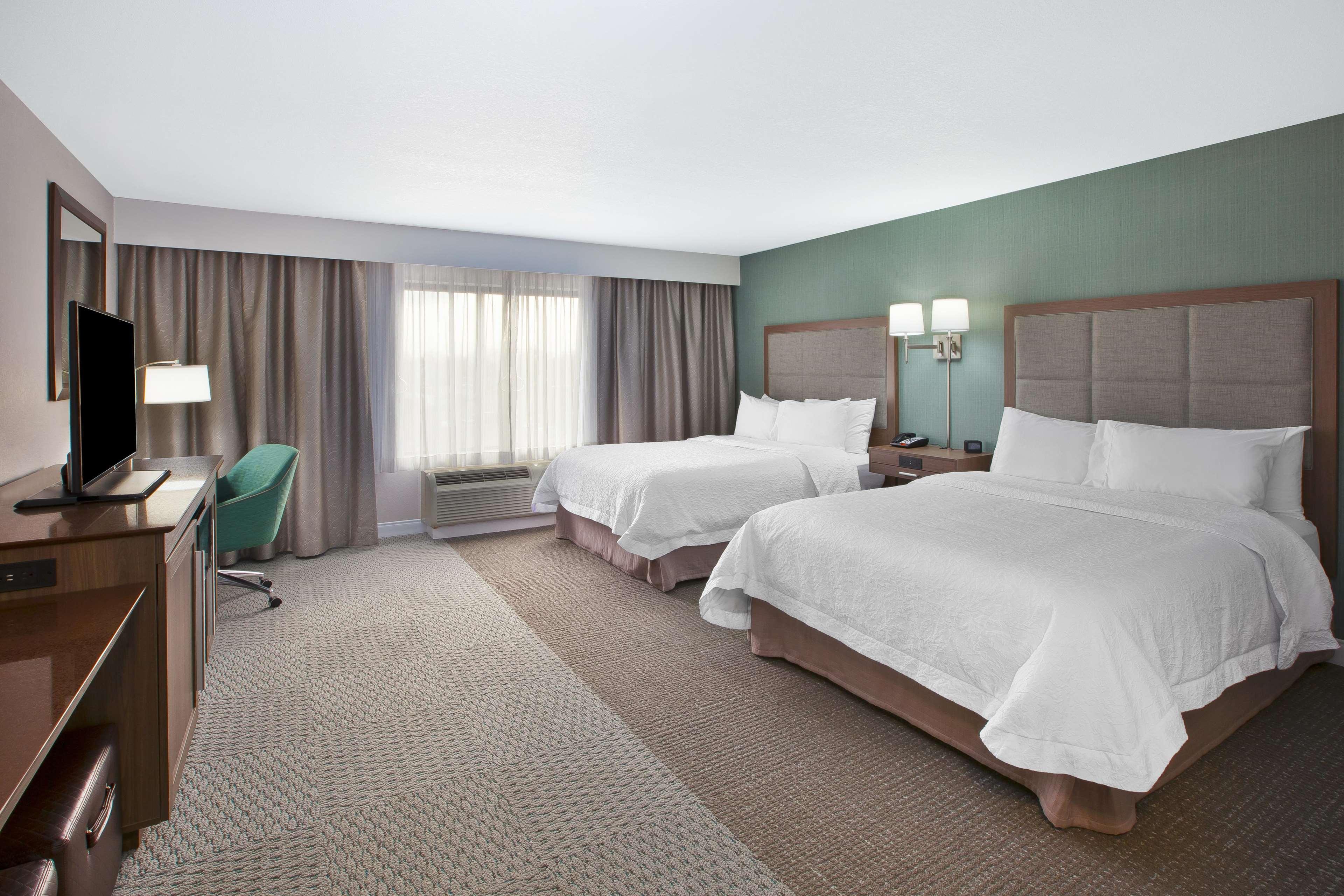 Hampton Inn & Suites Alliance image 11