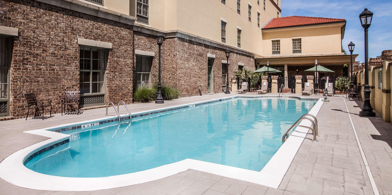 Hampton Inn & Suites Savannah Historic District image 16