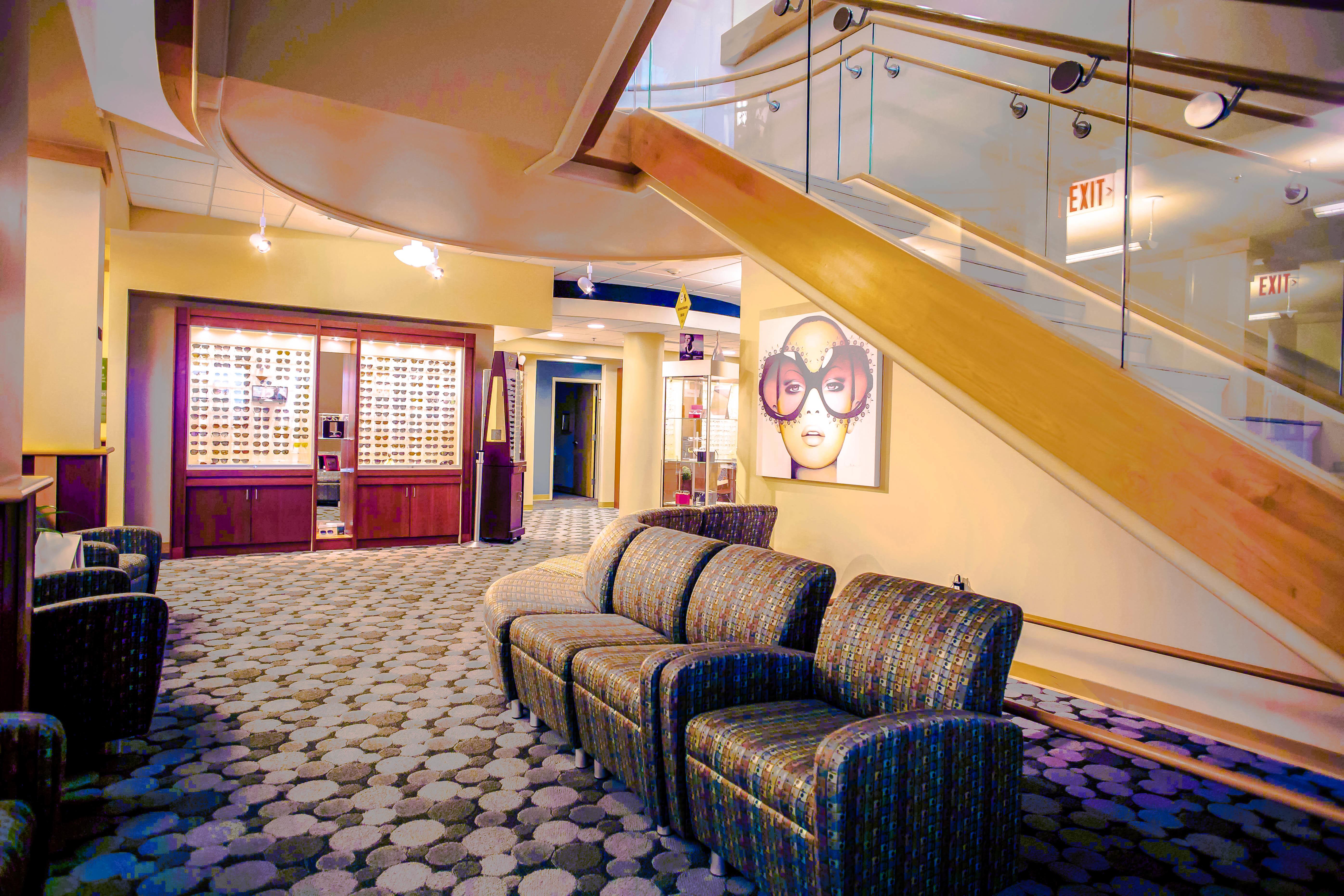 Illinois Eye Center Optical Boutique image 4