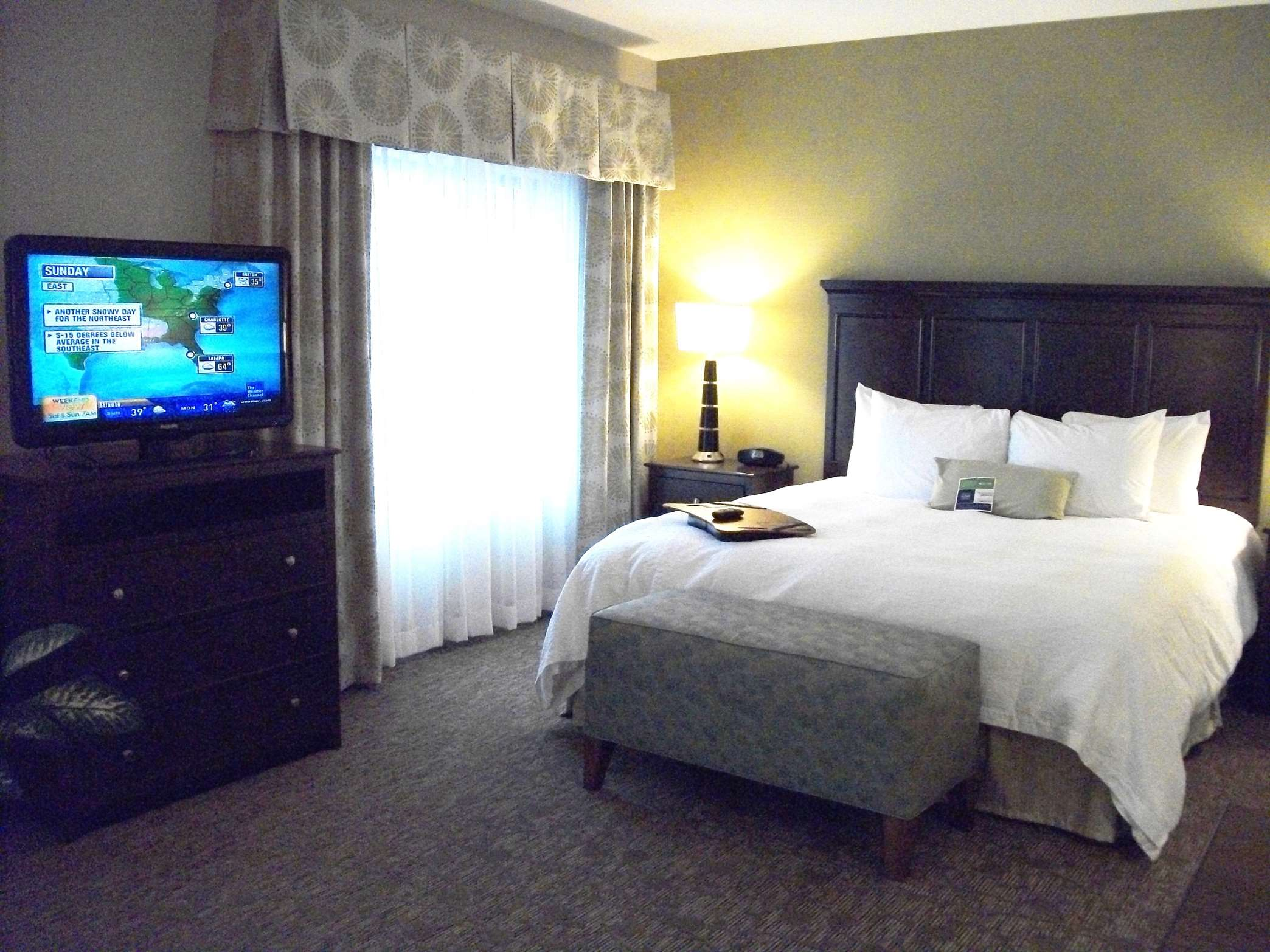 Hampton Inn & Suites Manteca image 18