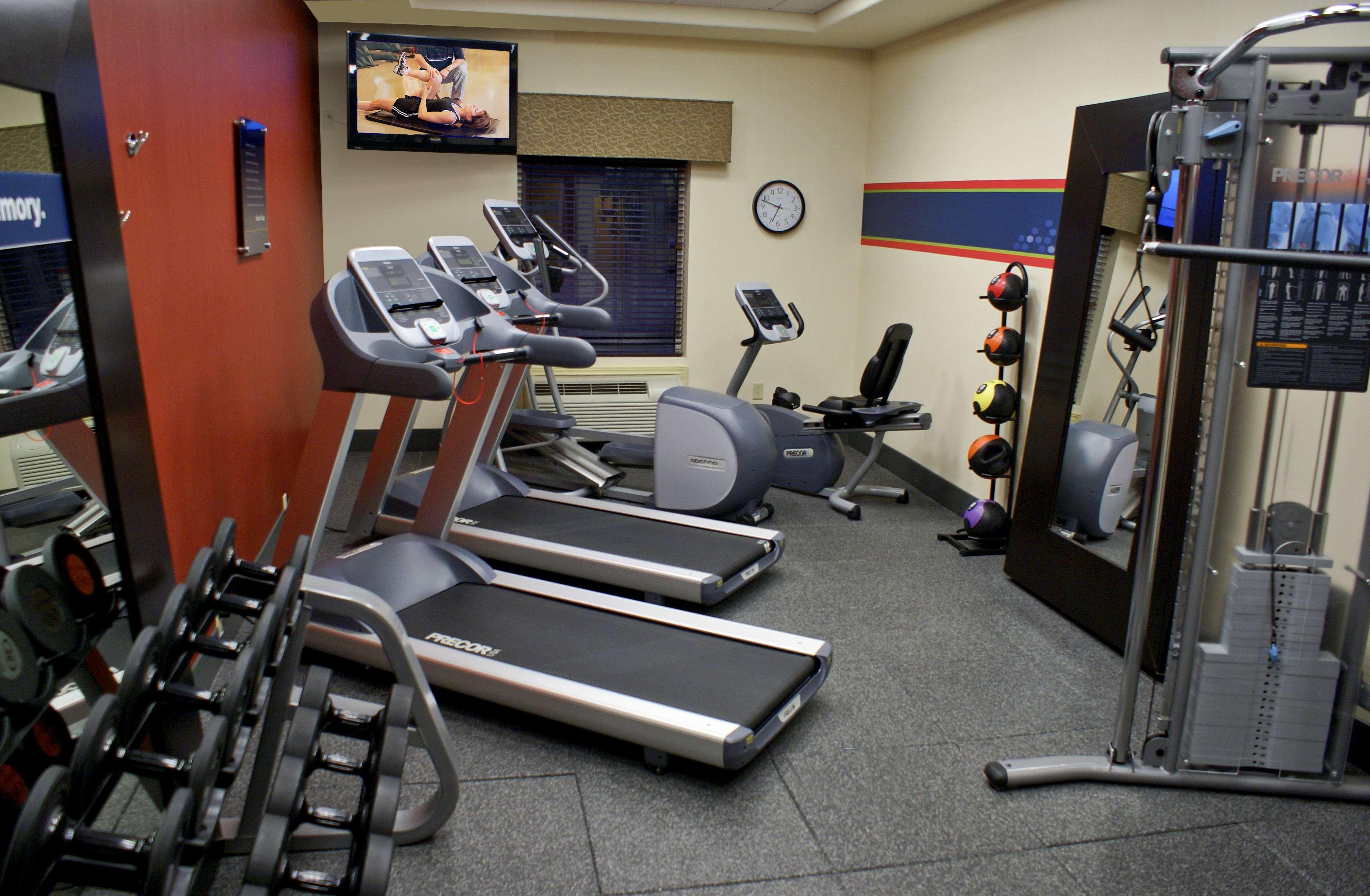 Hampton Inn Orange image 20