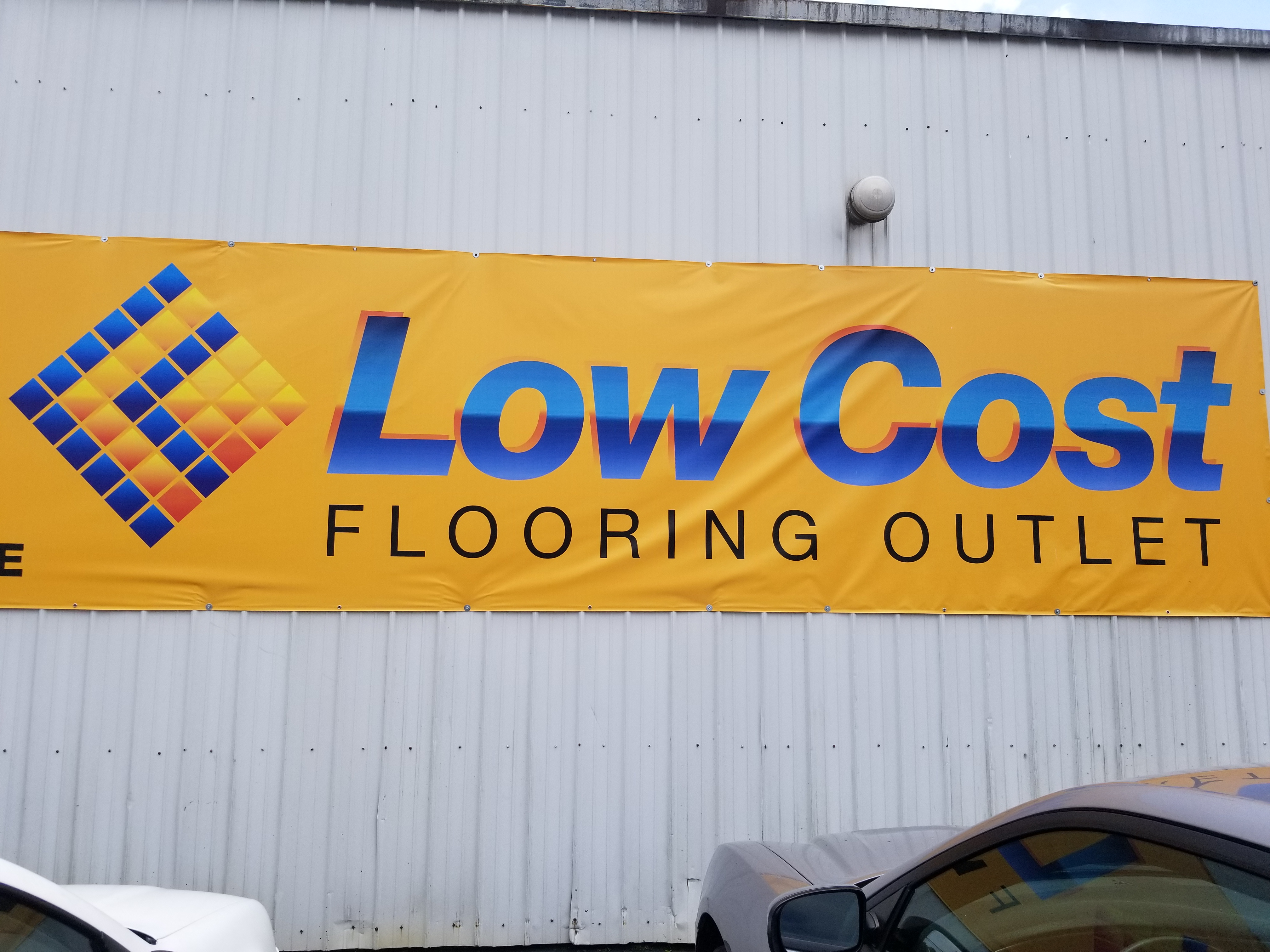 Low Cost Flooring Outlet Evansville