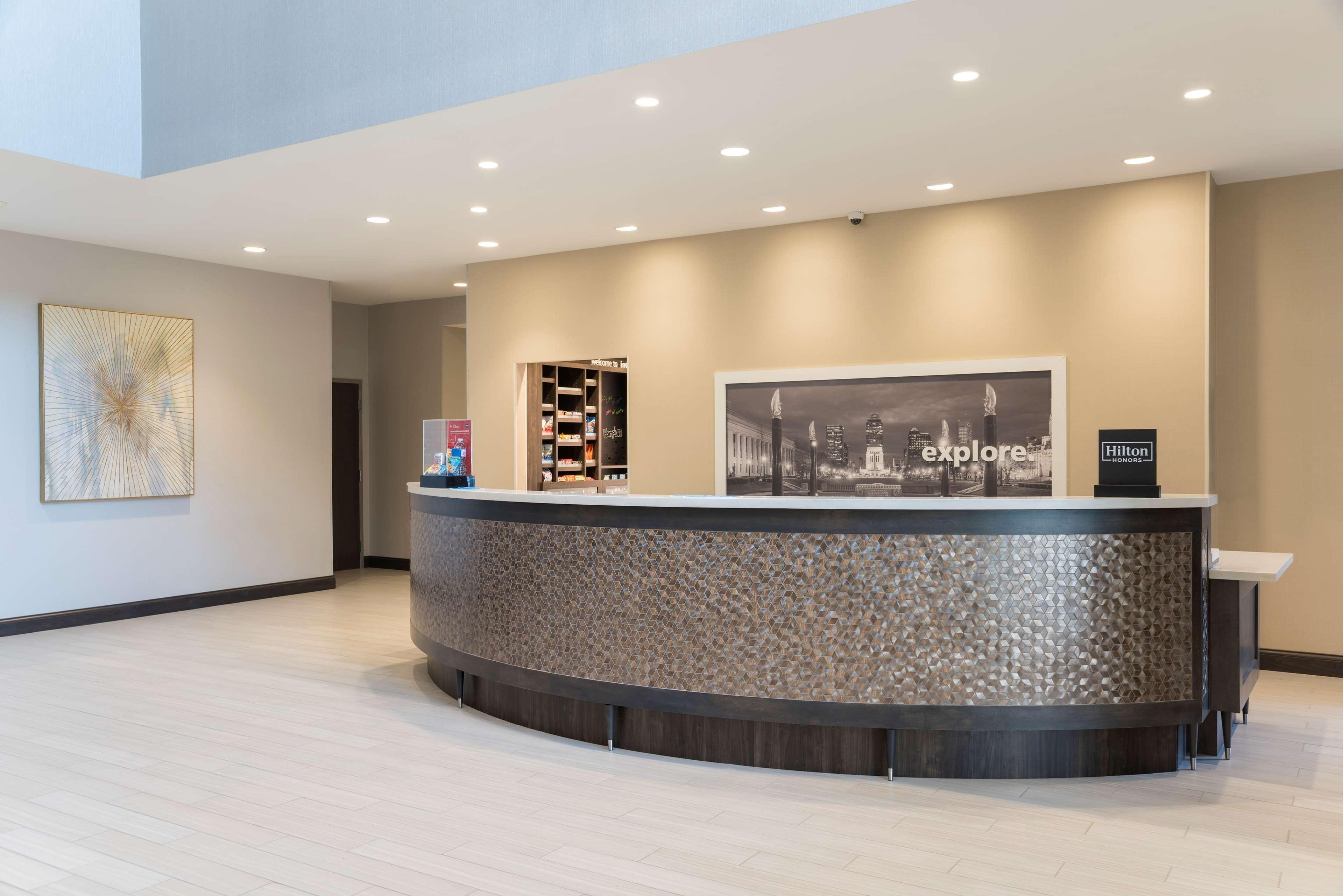 Hampton Inn & Suites Indianapolis-Keystone image 5