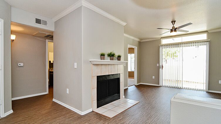 Carlyle Townhomes image 8