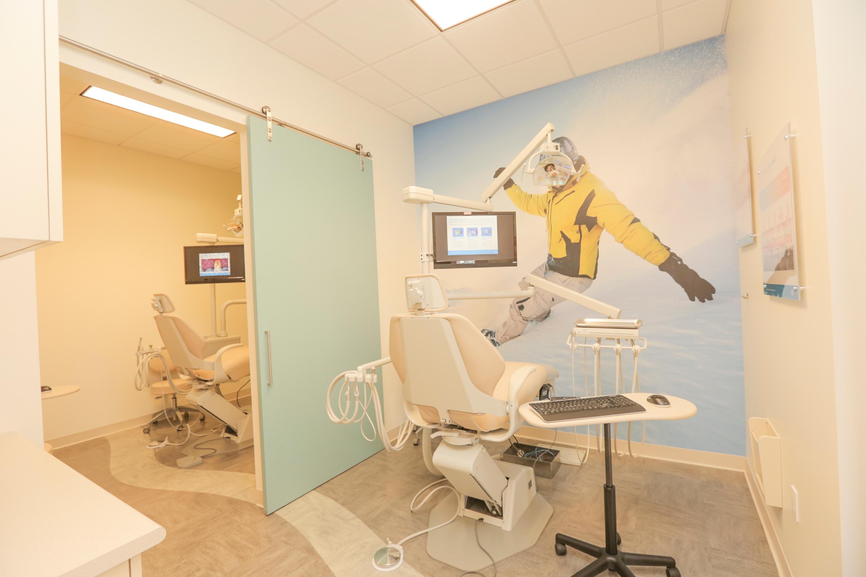 Jantzen Beach Modern Dentistry image 4