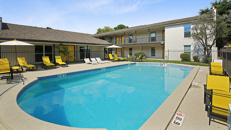 The Hub at Baton Rouge Apartment Homes image 16