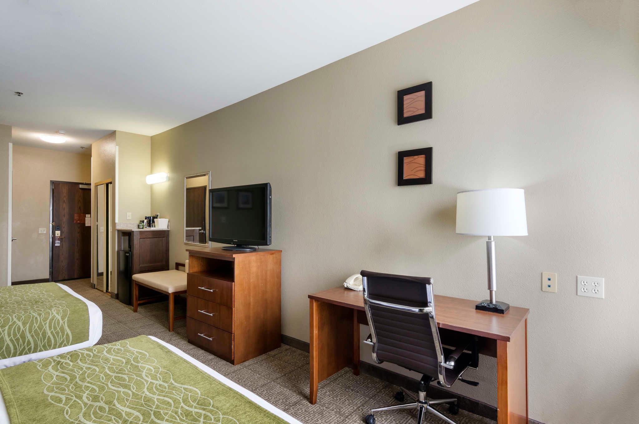 Comfort Inn & Suites Sacramento - University Area image 16