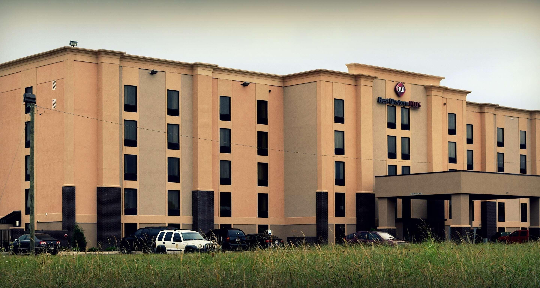 Best Western Plus Jonesboro Inn & Suites image 2