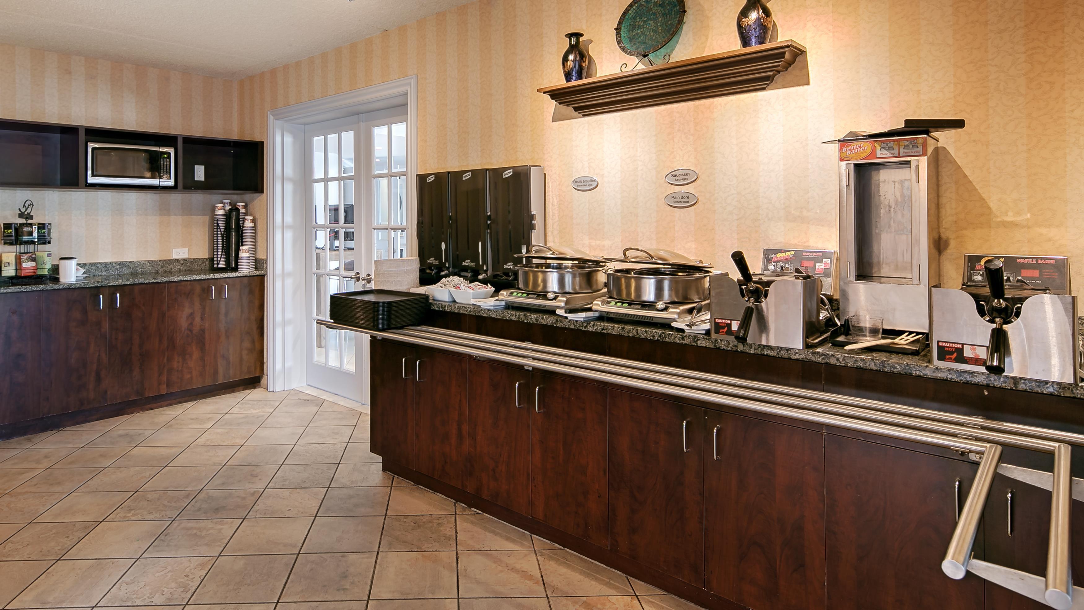 Best Western Hotel Brossard à Brossard: Breakfast Area