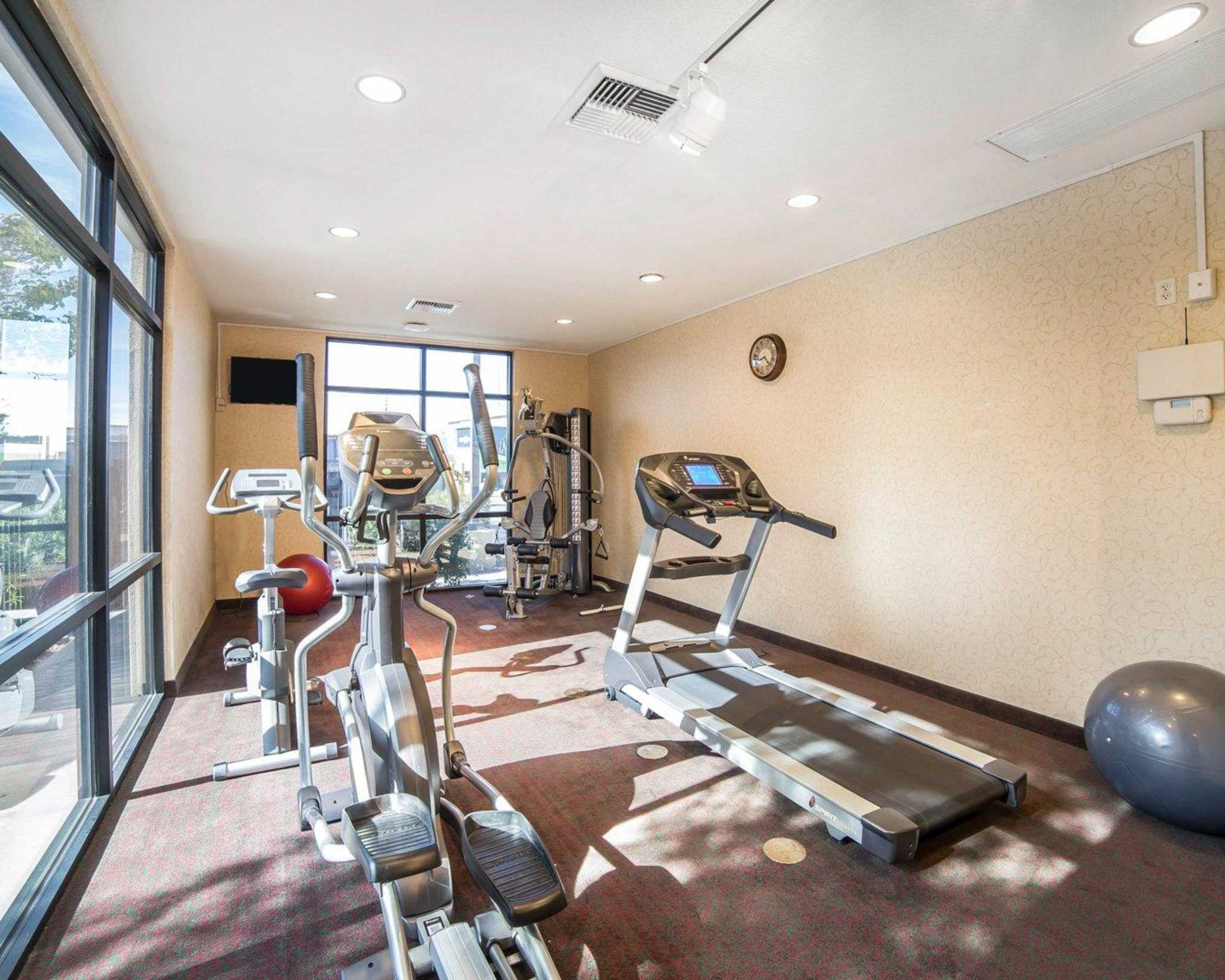 Comfort Inn & Suites Las Vegas - Nellis image 25