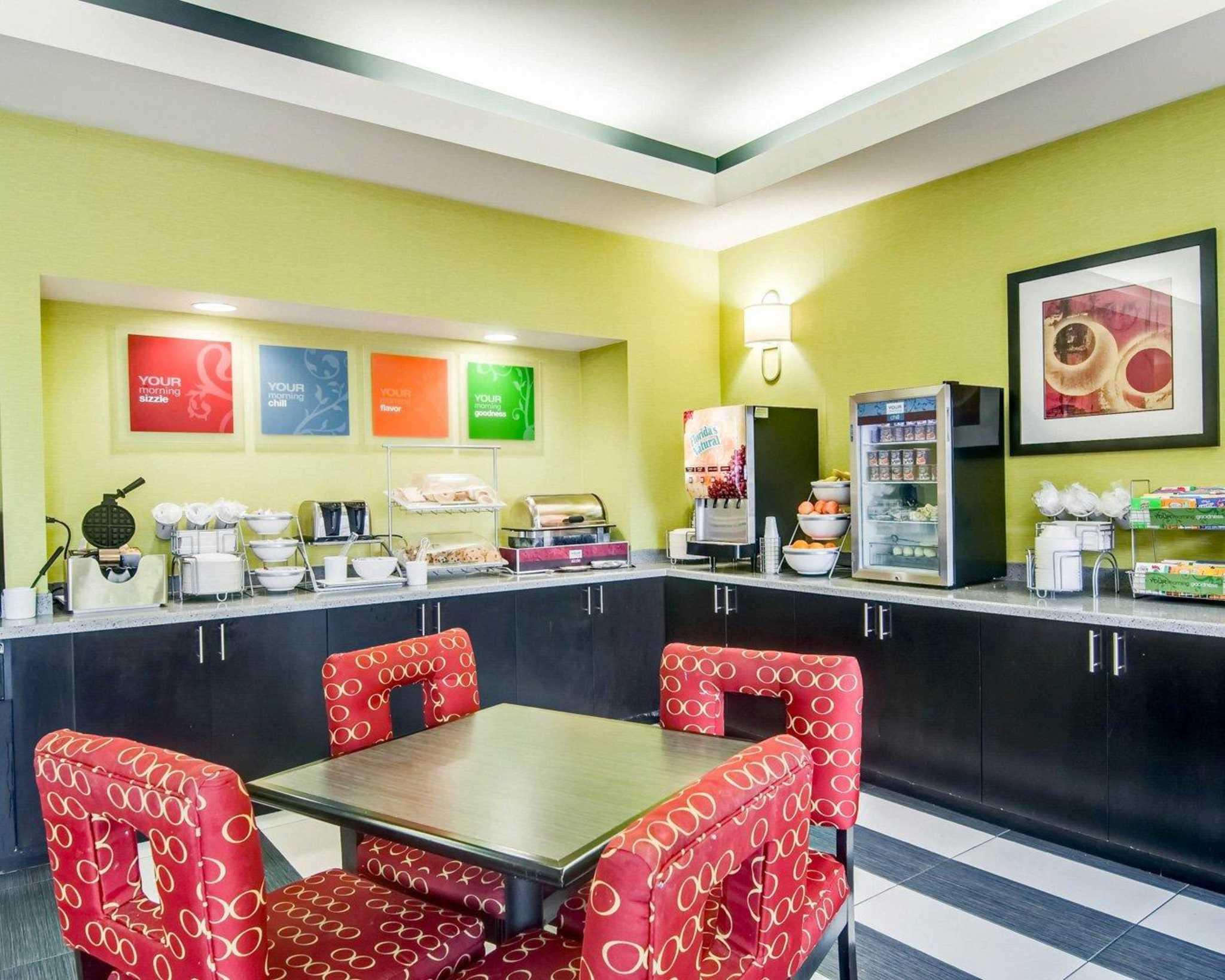 Comfort Suites Inn at Ridgewood Farm image 20