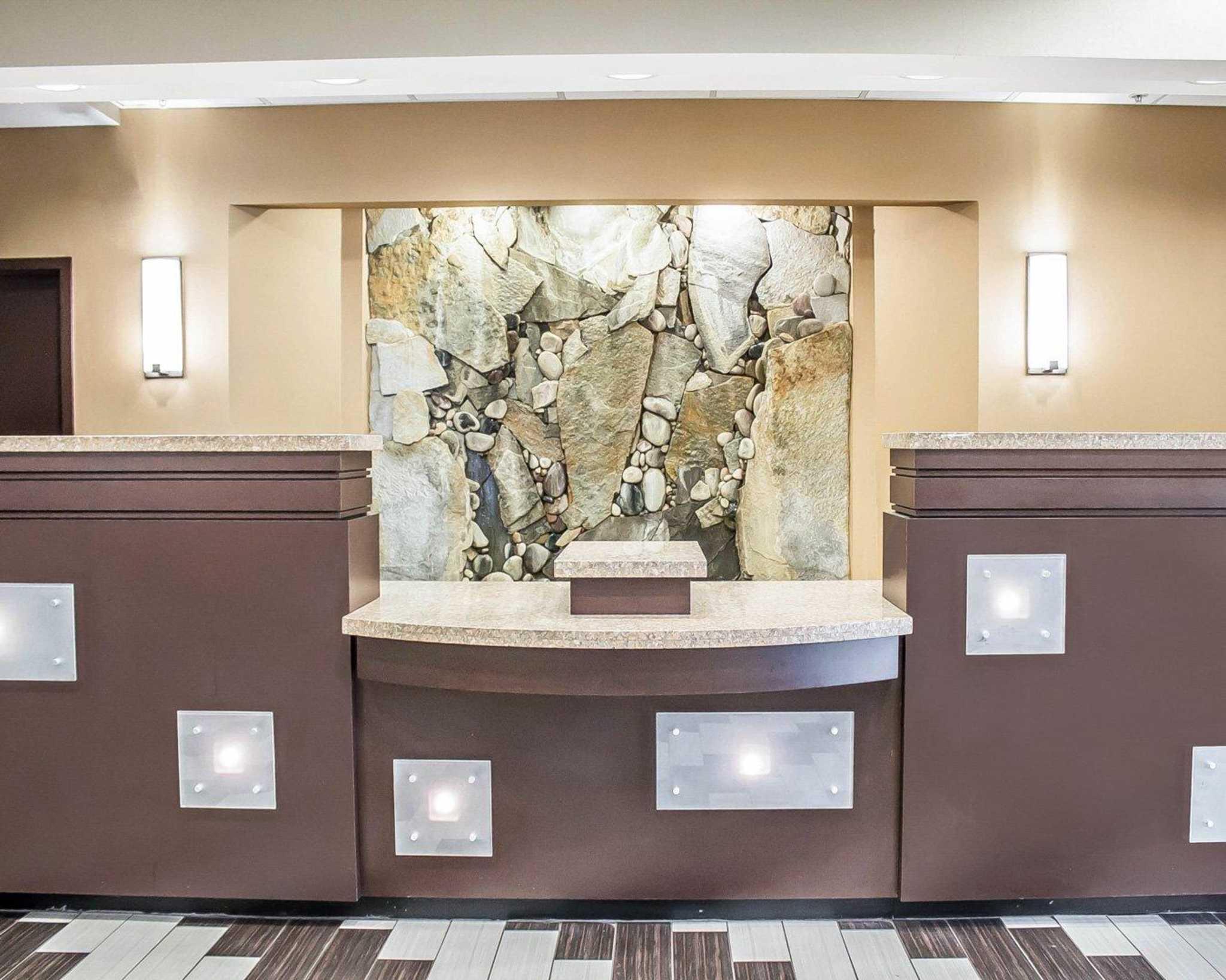 Comfort Suites Perrysburg - Toledo South image 7
