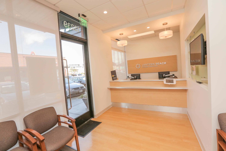 Jantzen Beach Modern Dentistry image 12