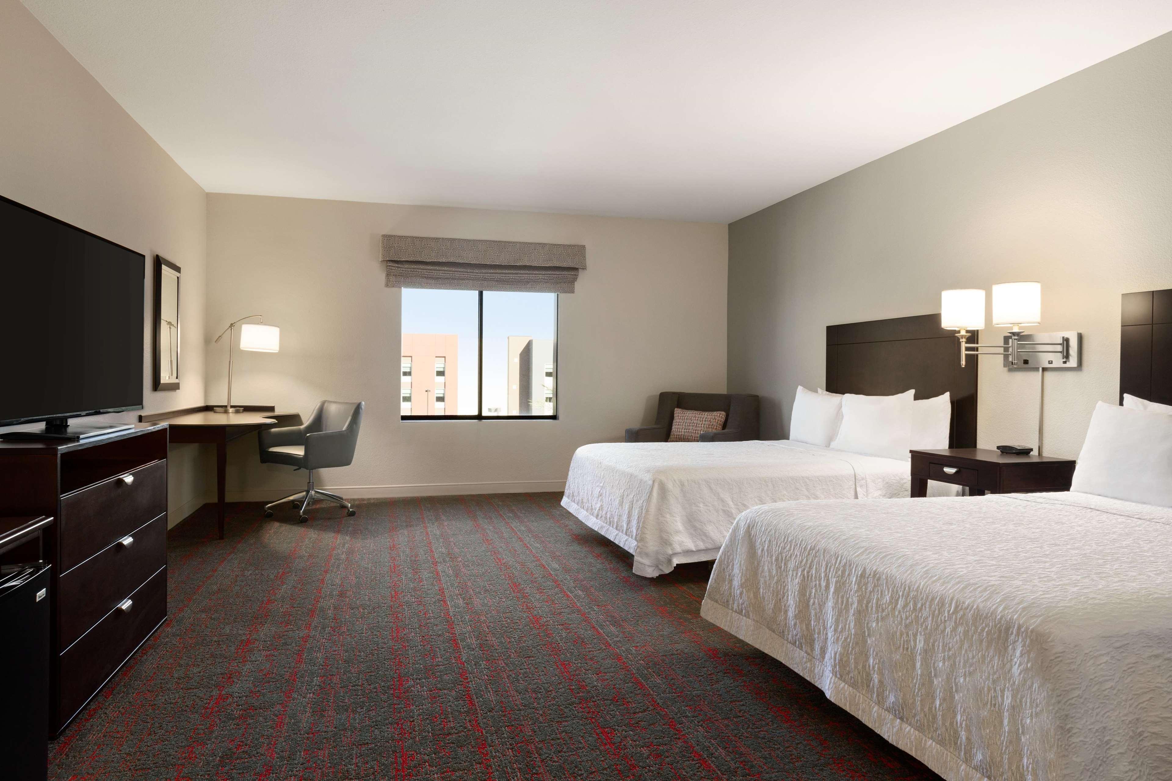 Hampton Inn & Suites Phoenix Glendale-Westgate image 31