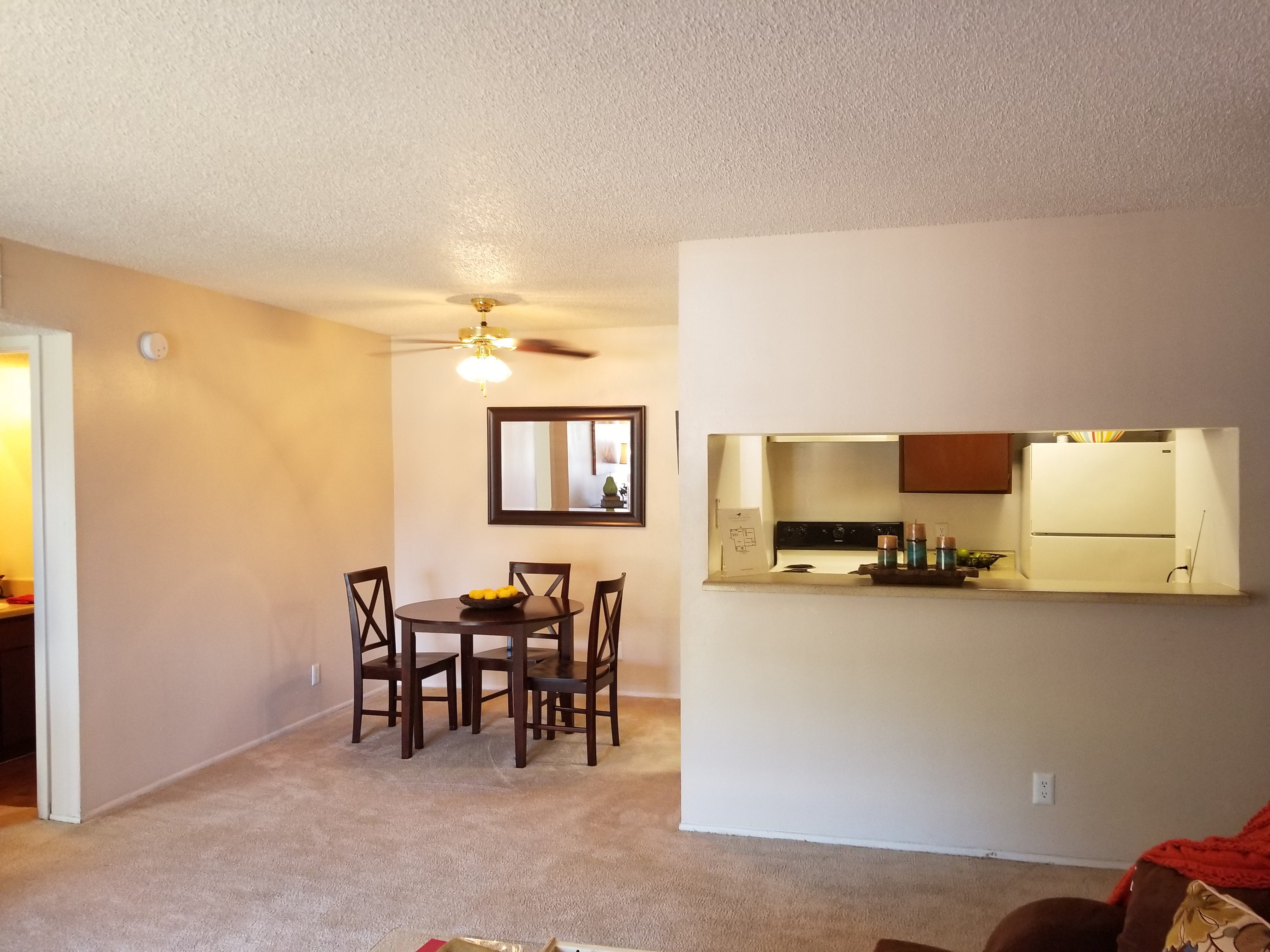 Iron Horse Valley Apartments image 3