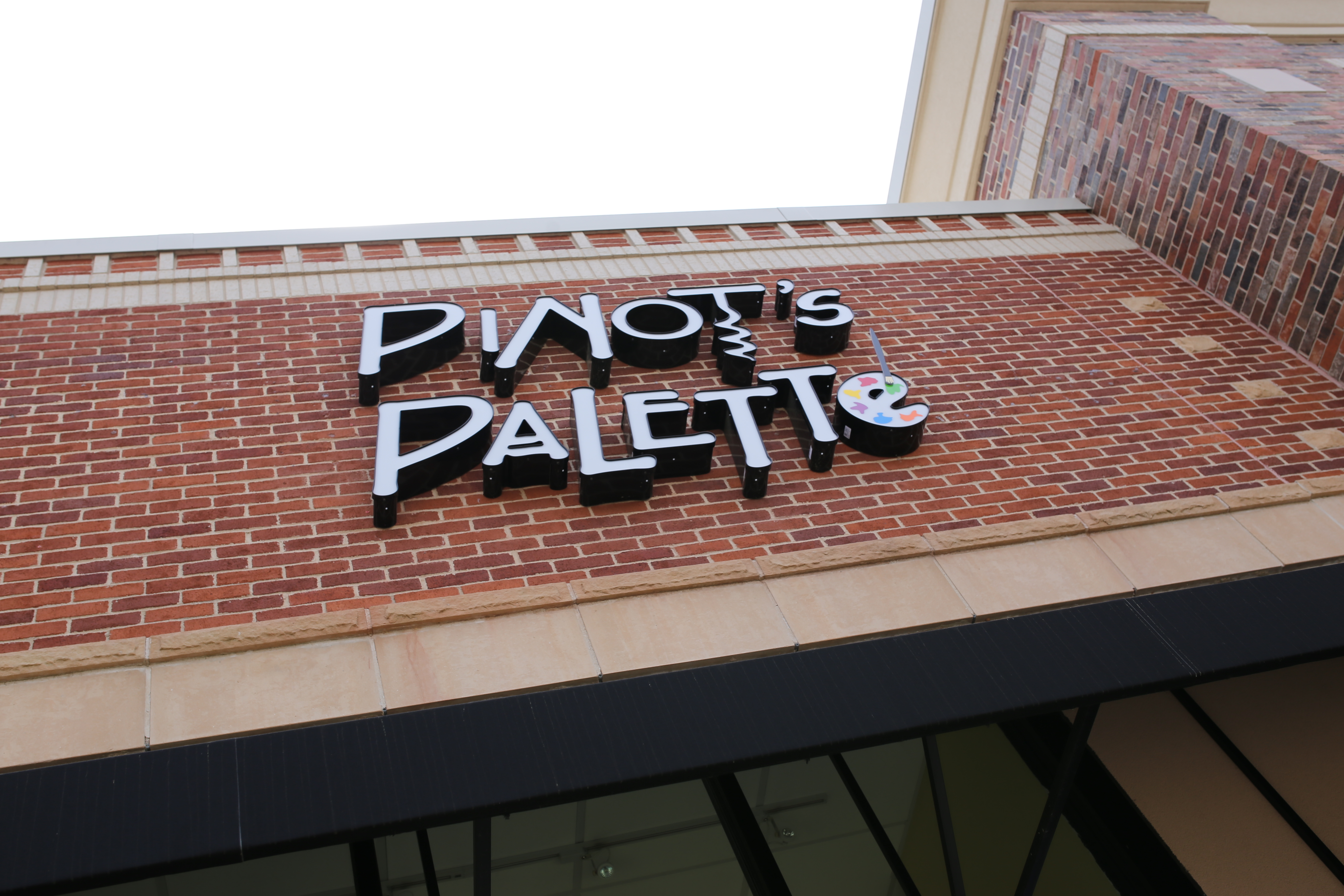 Pinot's Palette image 2