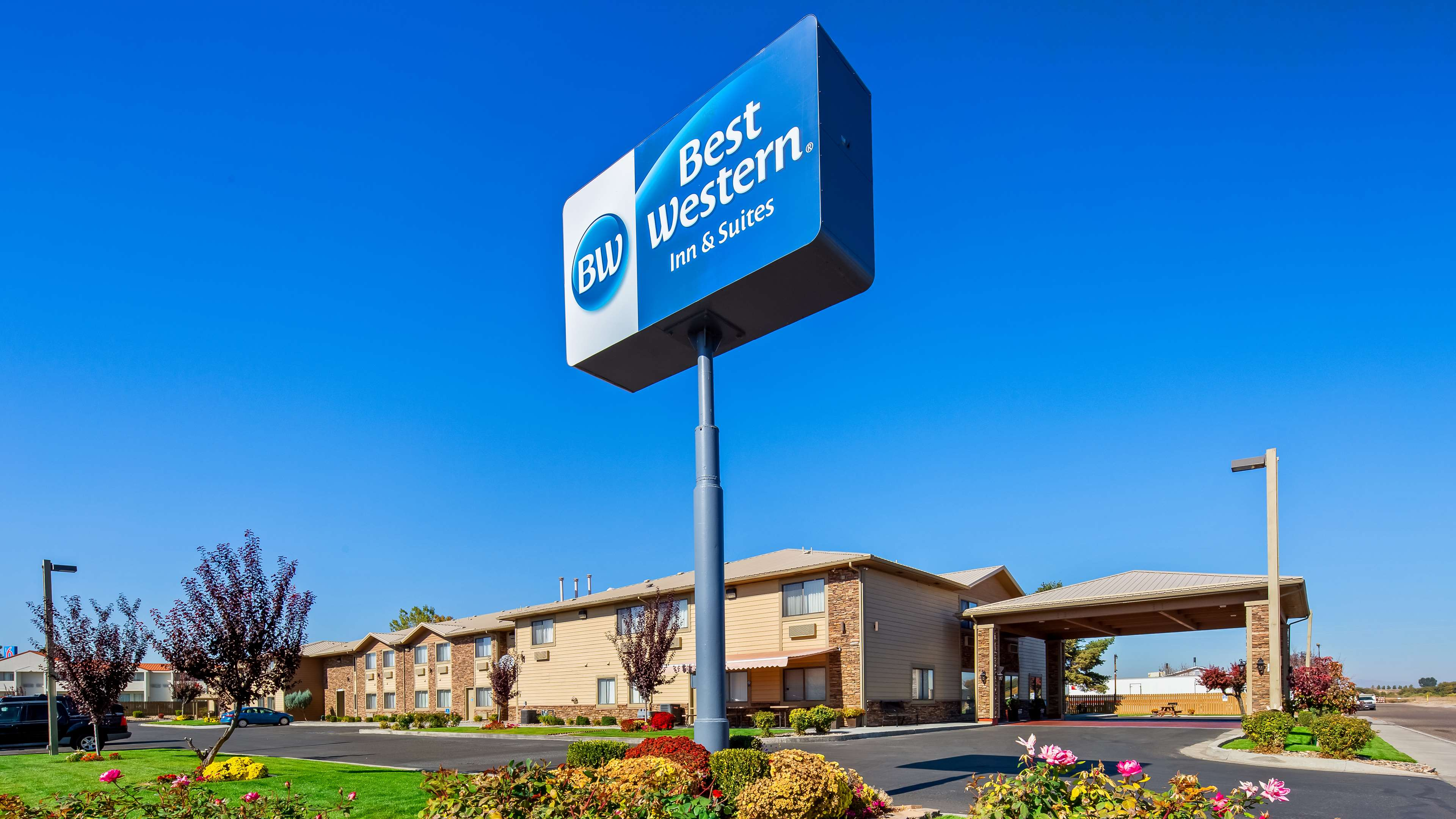 Best Western Inn & Suites image 1