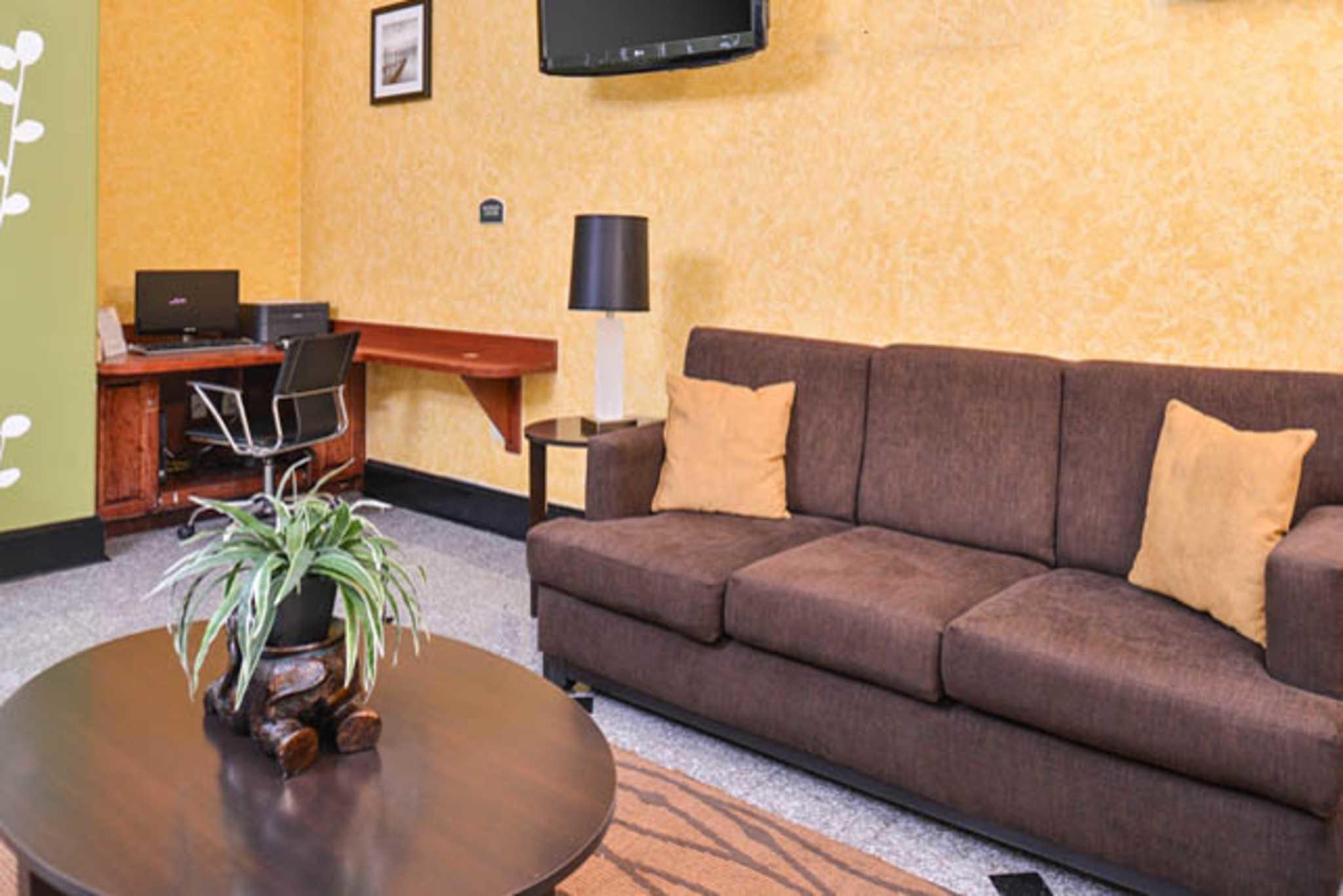 Sleep Inn & Suites Near Downtown North image 8