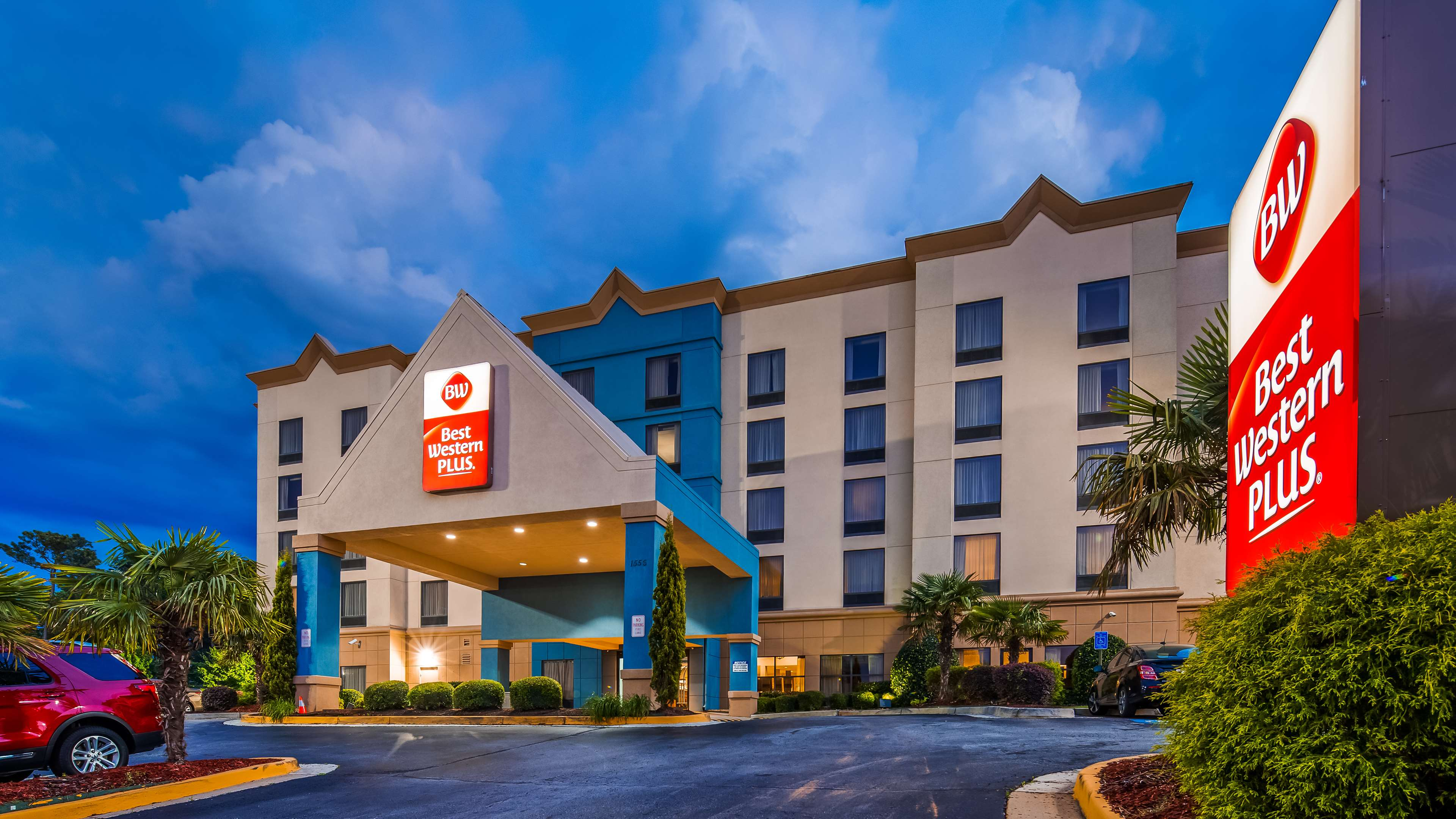 Best Western Plus Hotel & Suites Airport South image 0