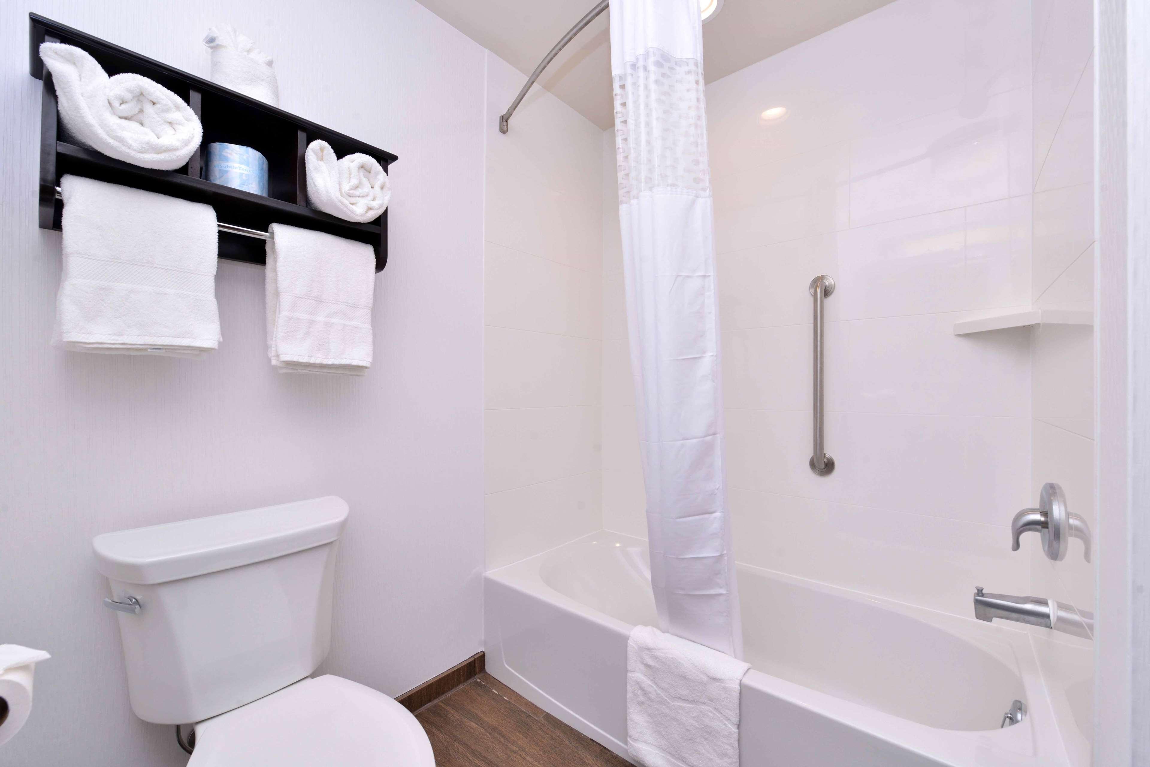 Hampton Inn & Suites Mount Joy/Lancaster West image 27