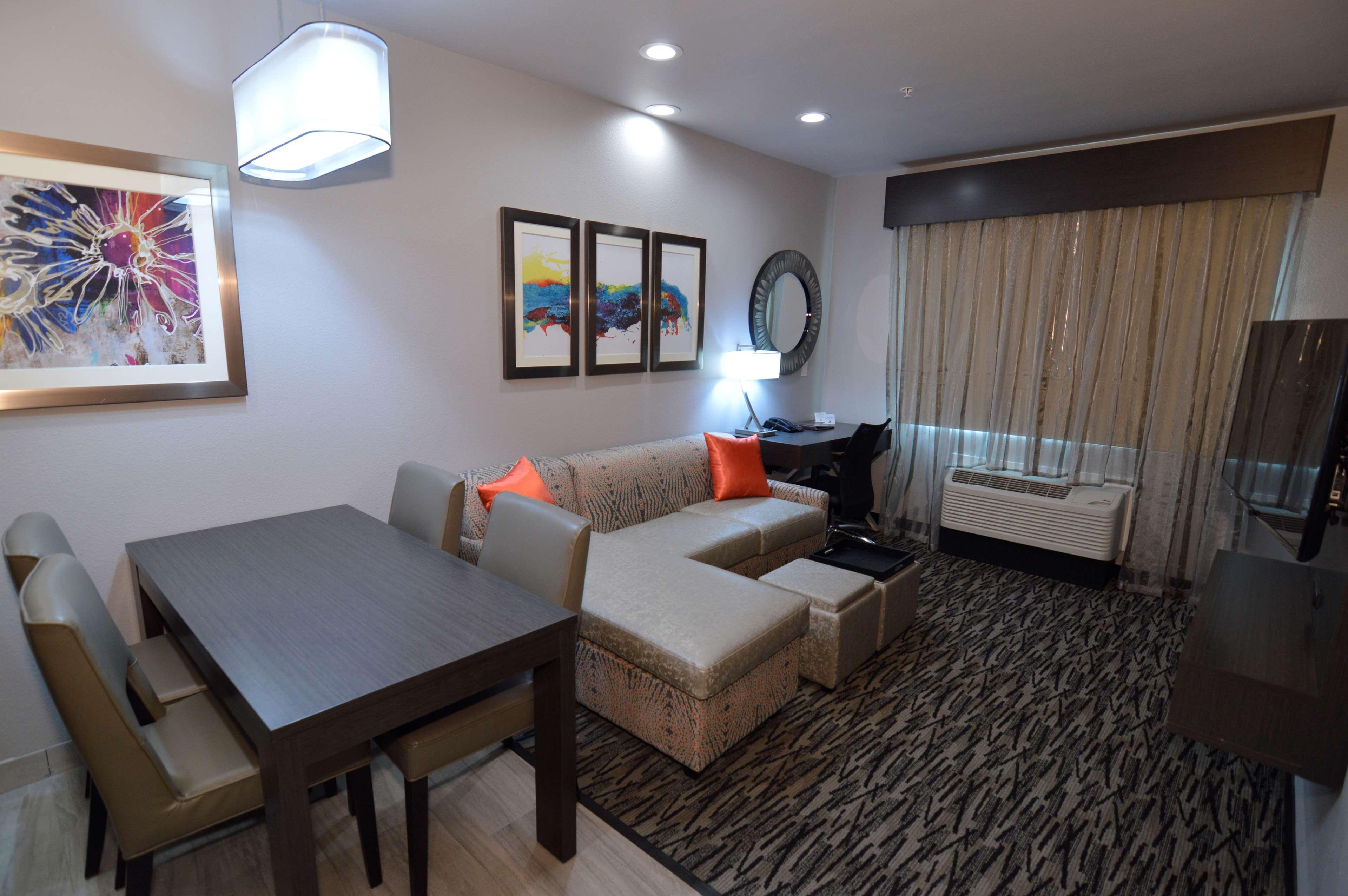 Executive Residency by Best Western Baytown image 27