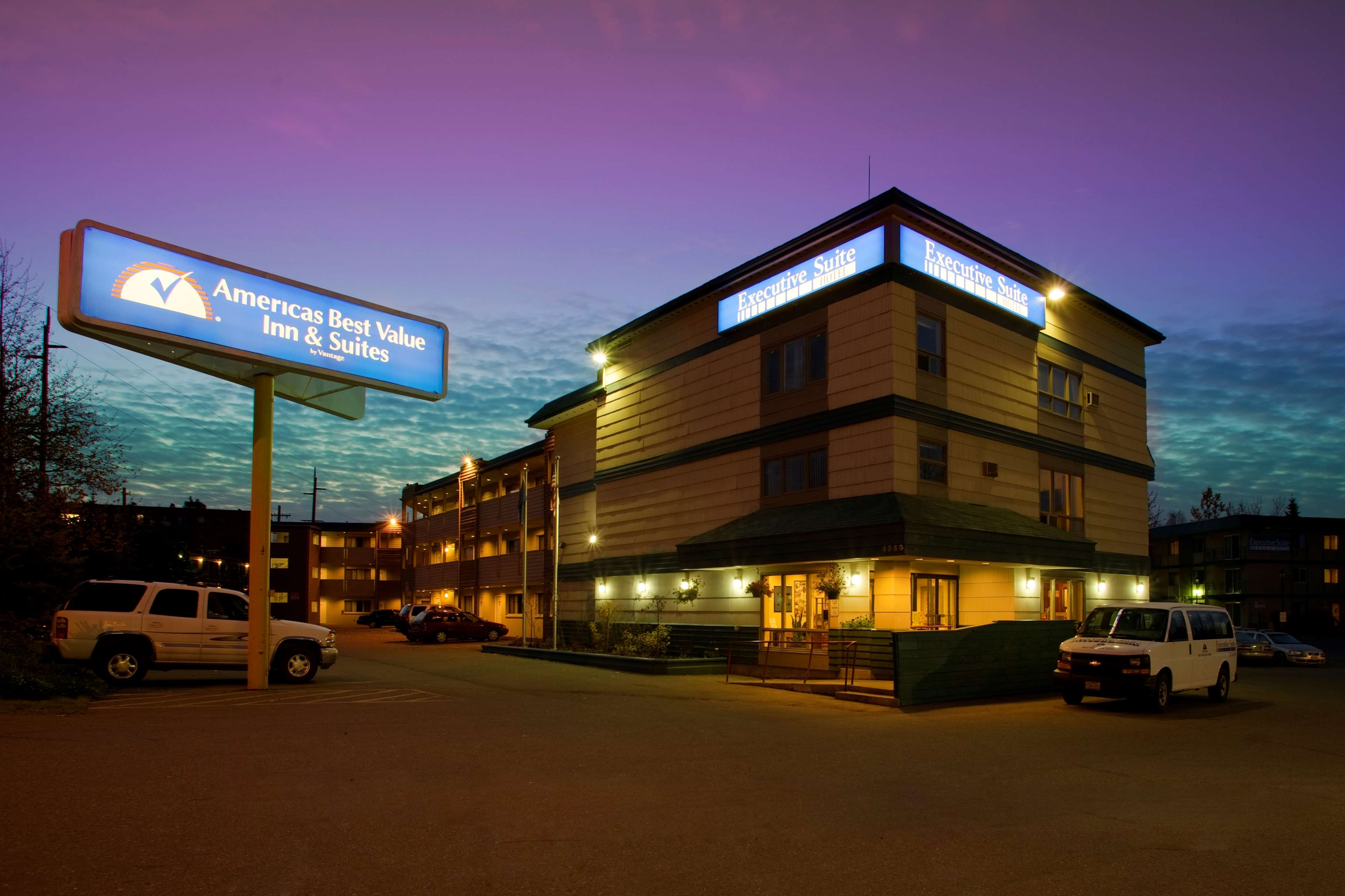 Americas Best Value Inn-Executive Suites / Airport Anchorage image 1