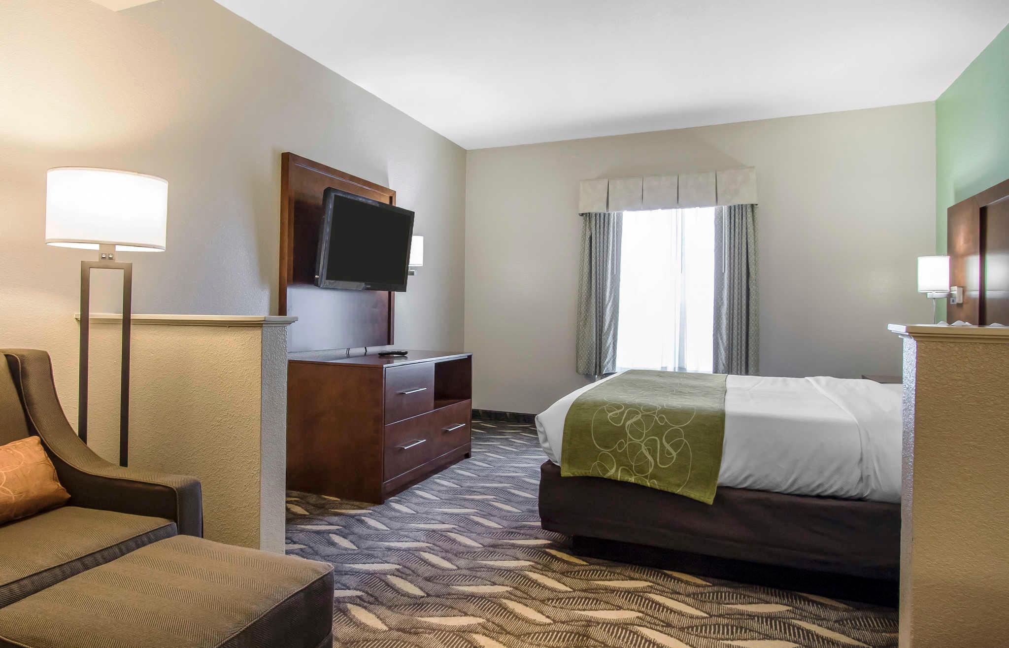 Comfort Suites image 15