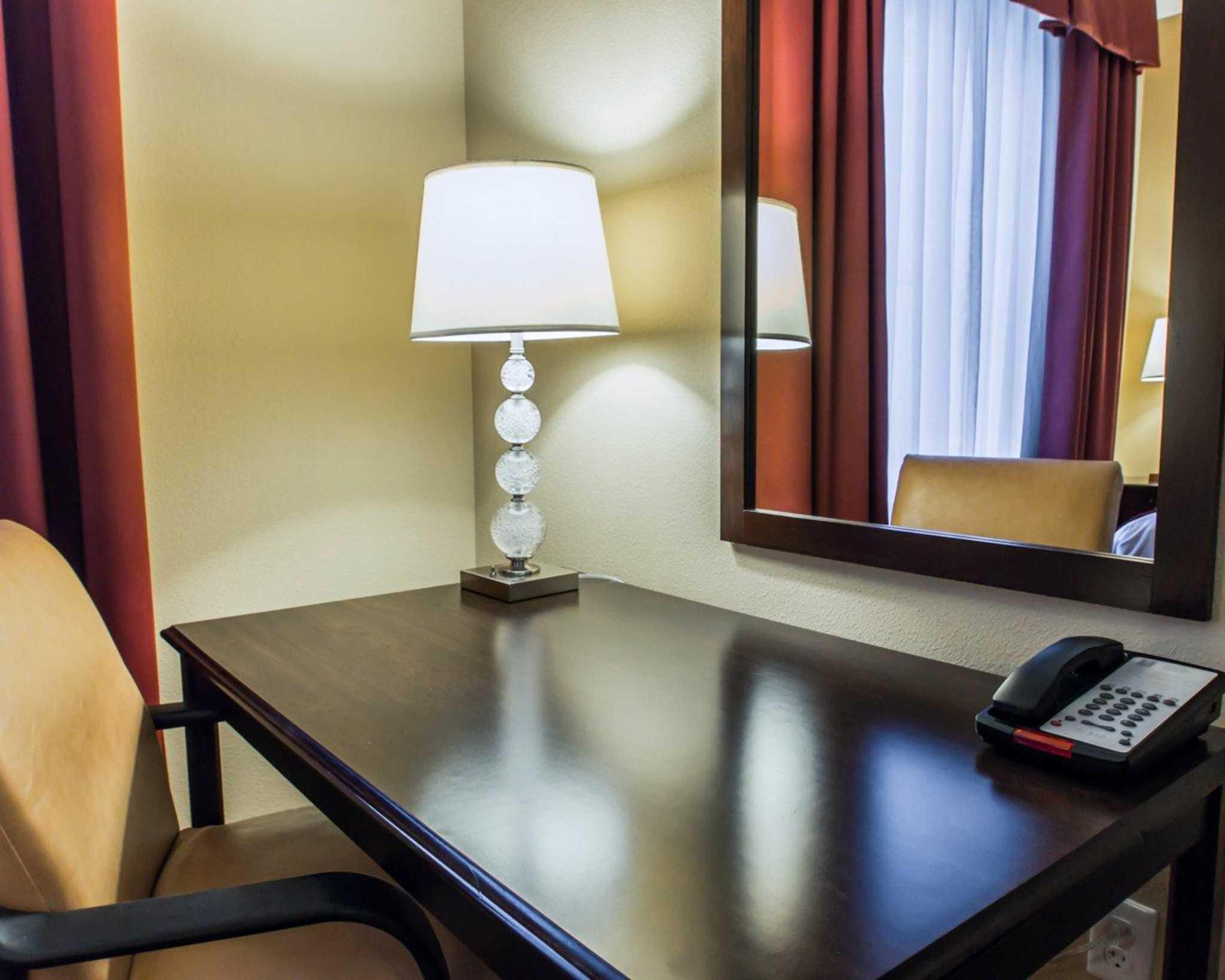 Comfort Inn Amp Suites Maingate South Davenport Fl