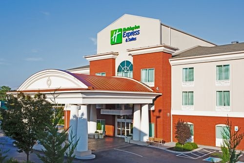 Holiday Inn Express & Suites Lenoir City (Knoxville Area) image 1