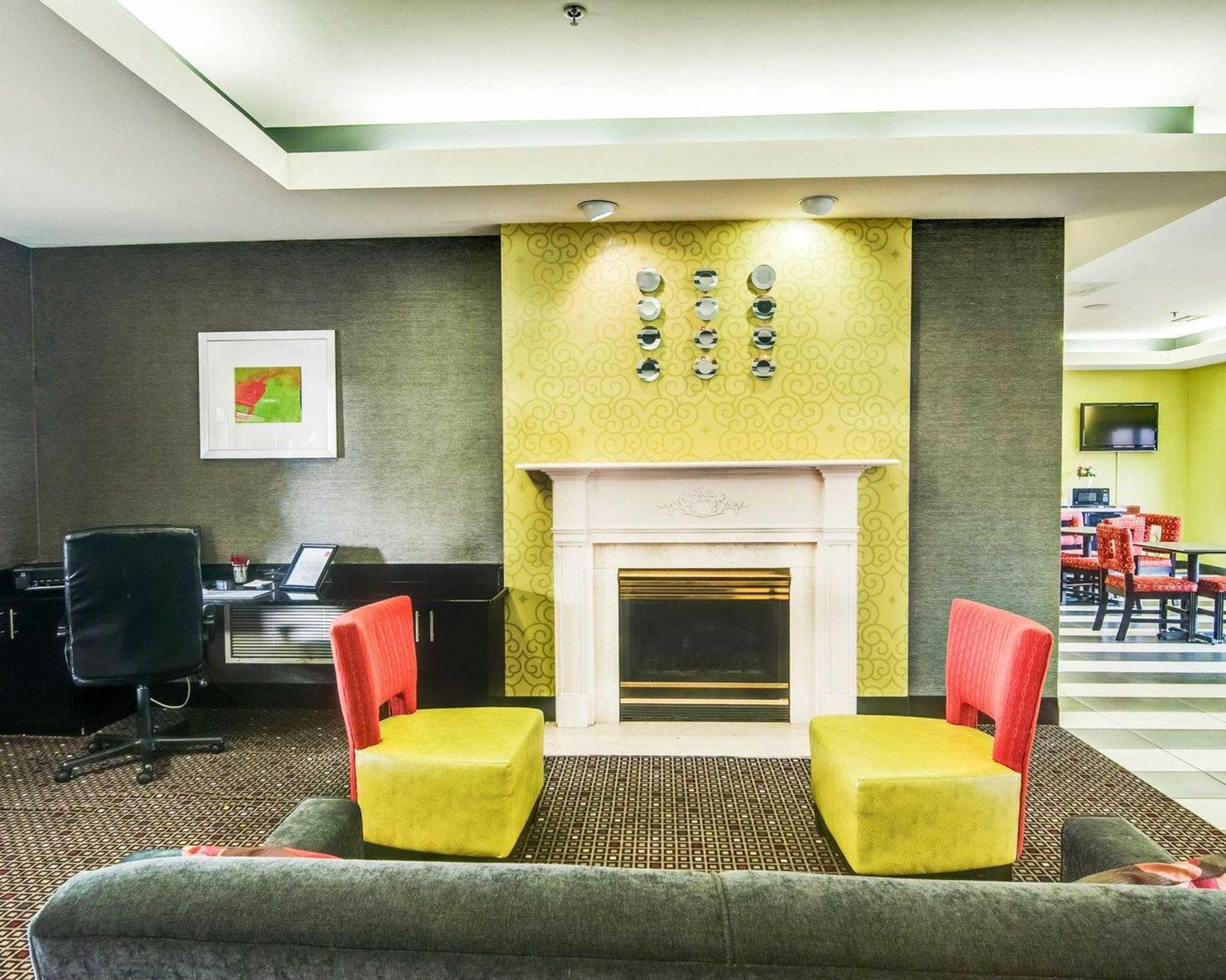 Comfort Suites Inn at Ridgewood Farm image 12