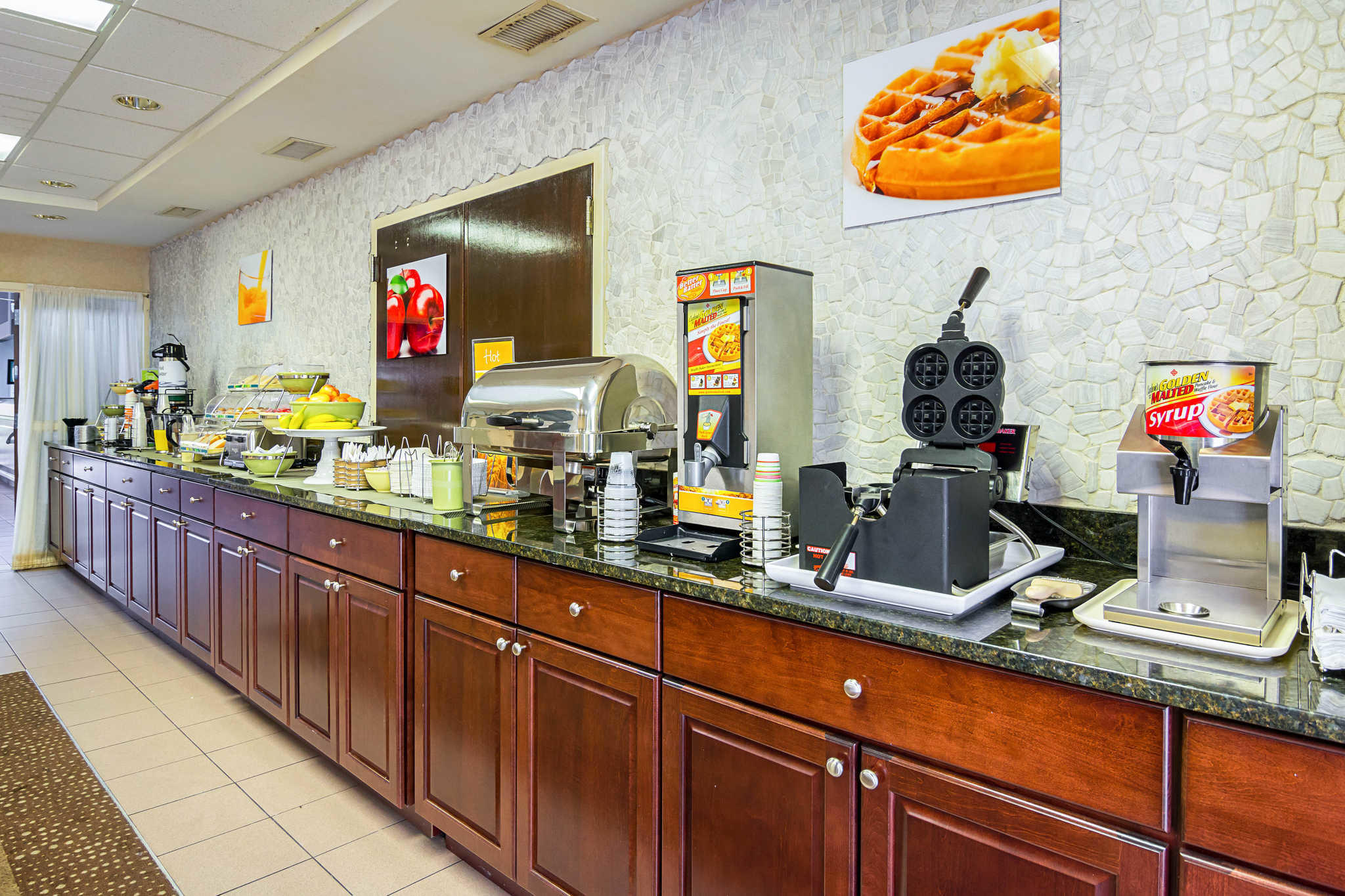 Quality Inn & Suites Kearneysville - Martinsburg image 21
