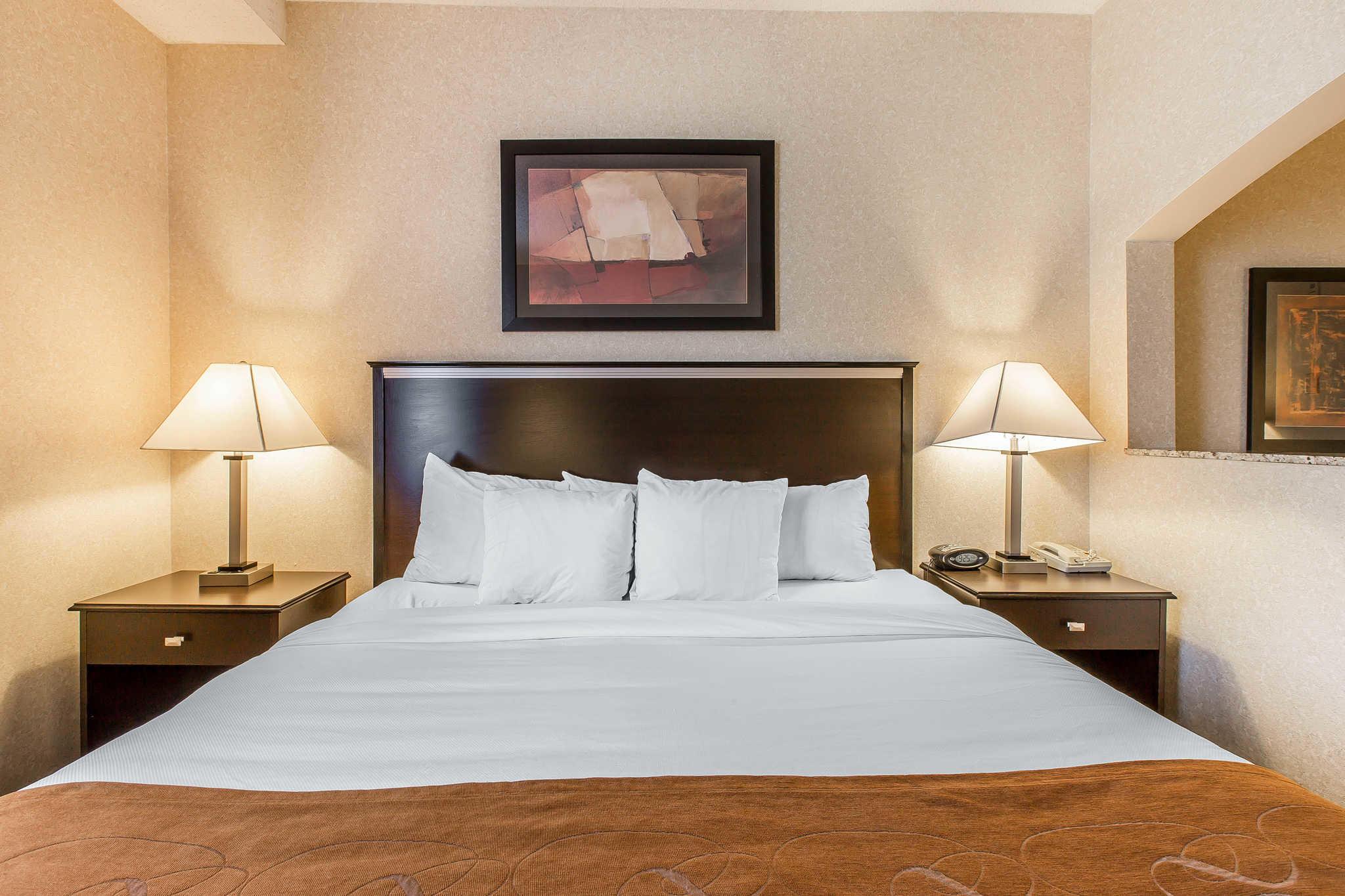 Comfort Suites Summit County image 6
