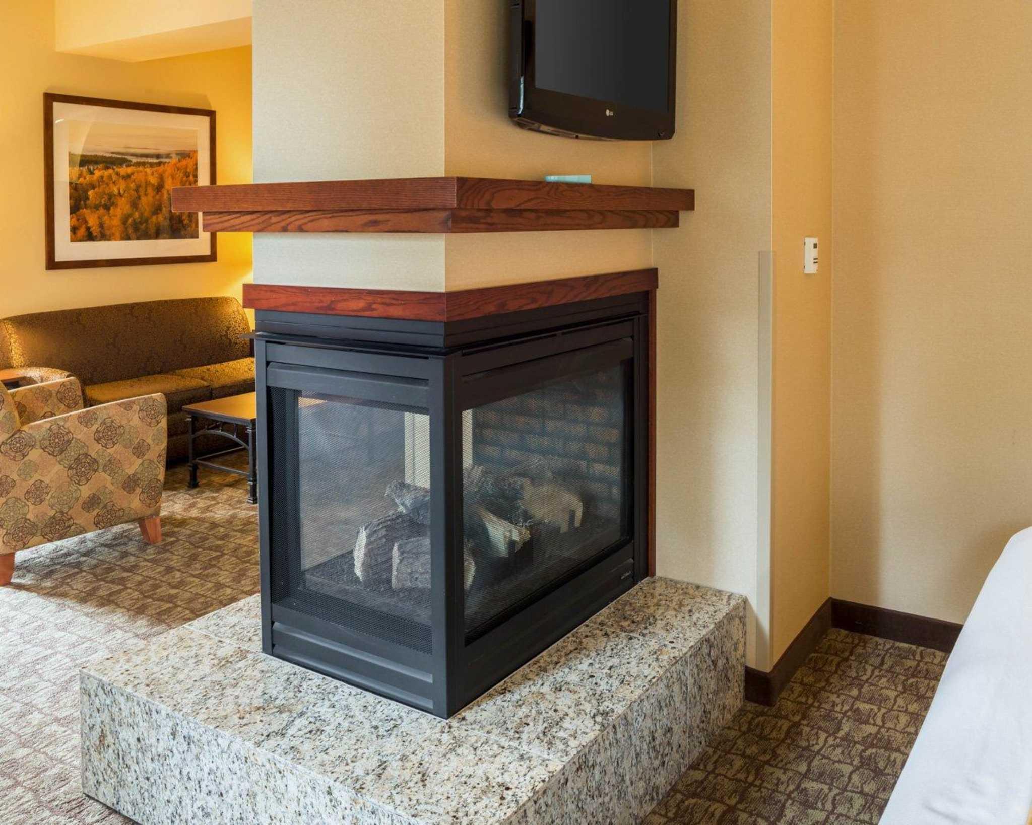 Comfort Suites Canal Park image 35