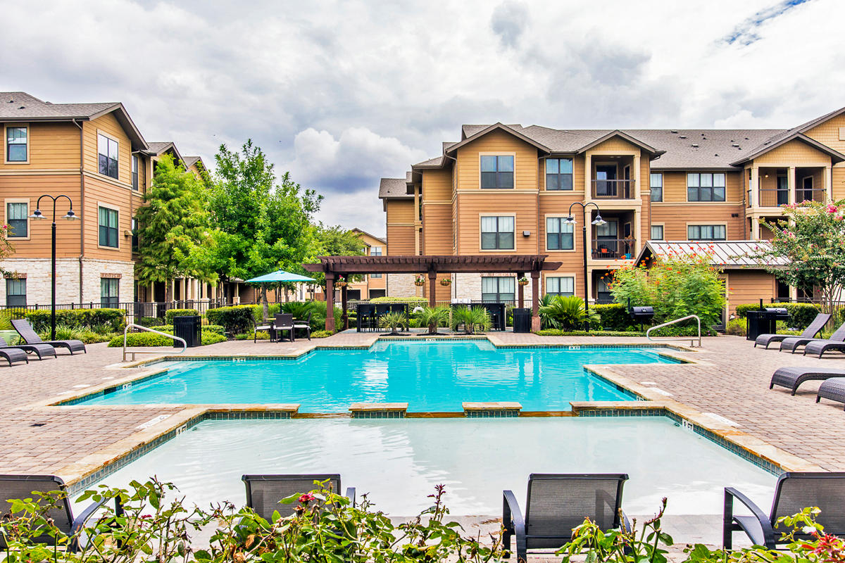 Legacy Heights Apartments San Antonio