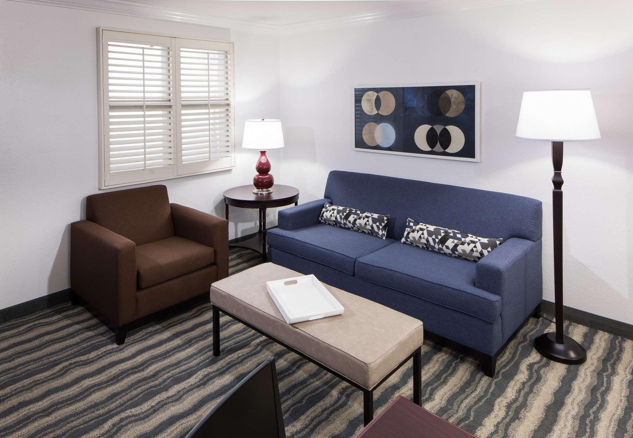 Embassy Suites by Hilton Tampa Brandon image 14