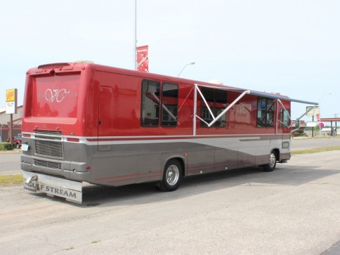 Red's Limo and Shuttle Service image 4