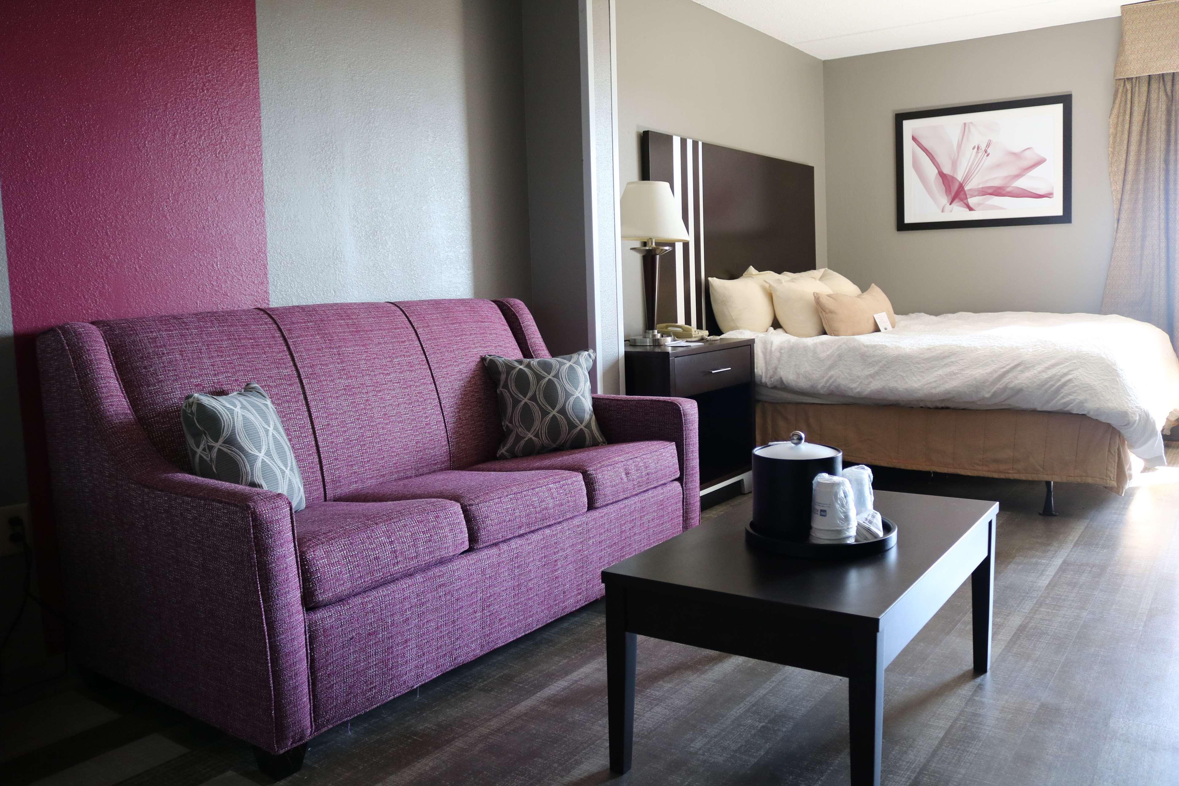 Best Western Plus Greensboro Airport Hotel image 10