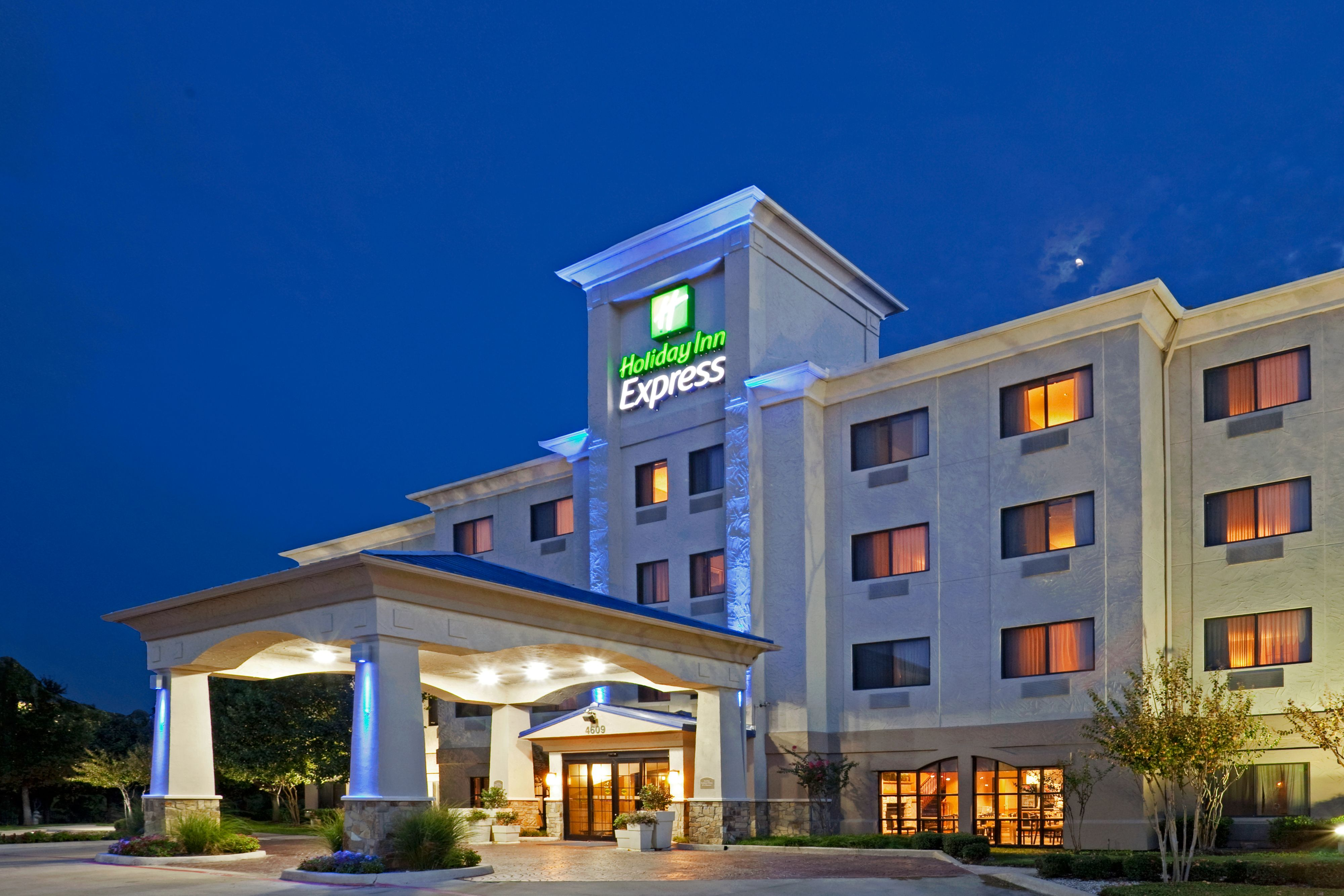 Holiday Inn Express Amp Suites Fort Worth I 35 Western