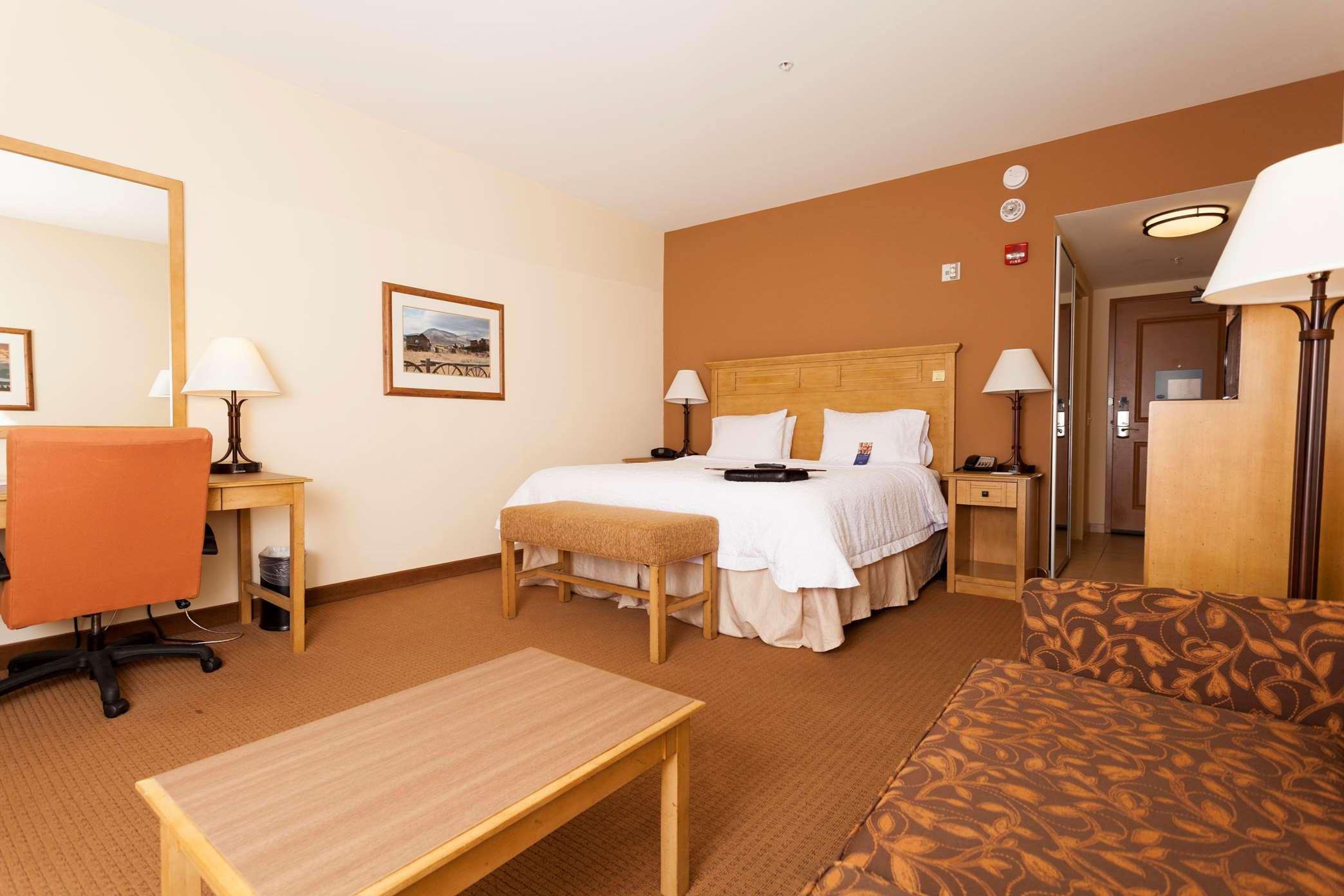 Hampton Inn & Suites Riverton image 35