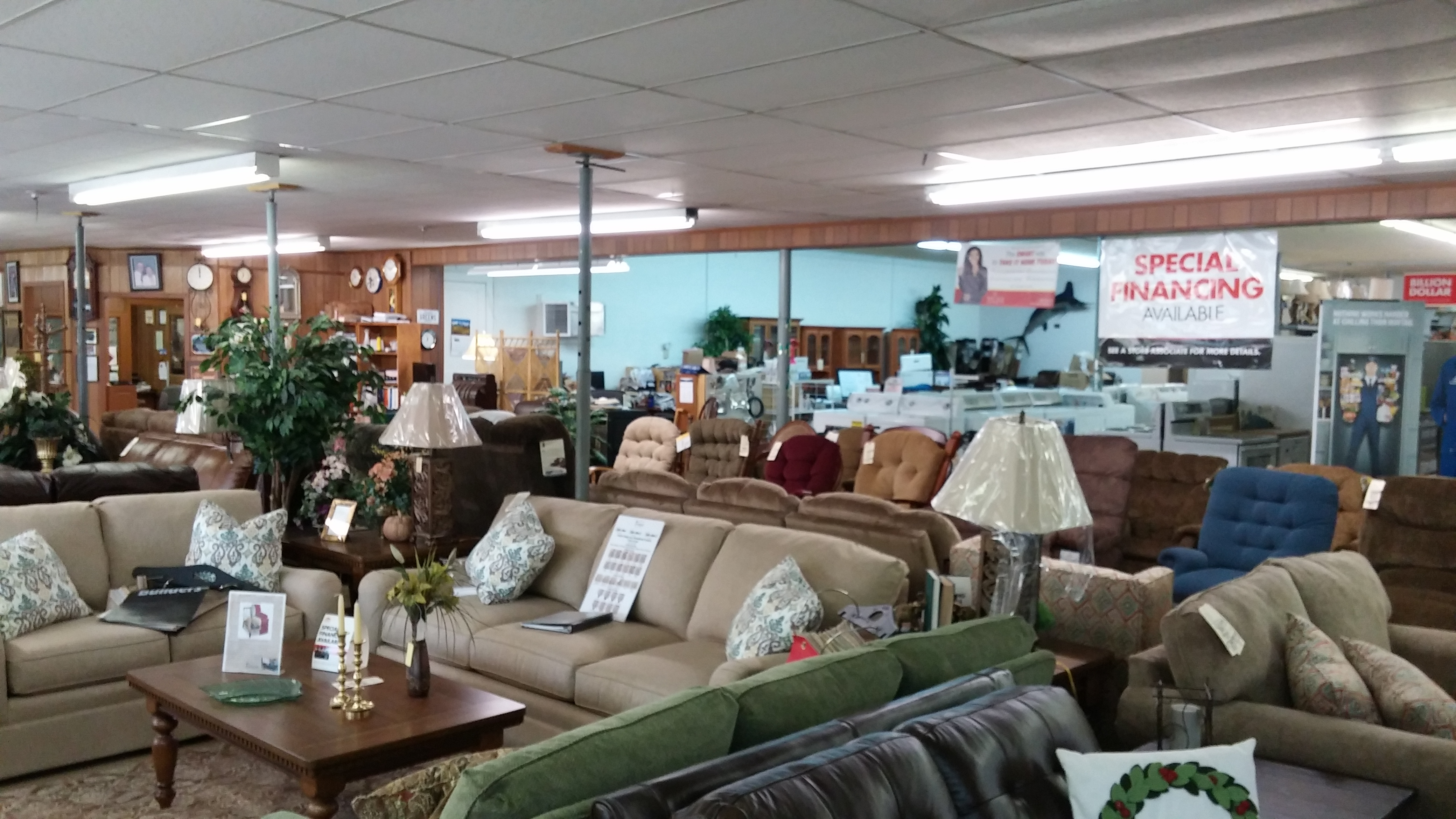 Green 39 S Furniture Store Inc Coupons Near Me In Loretto