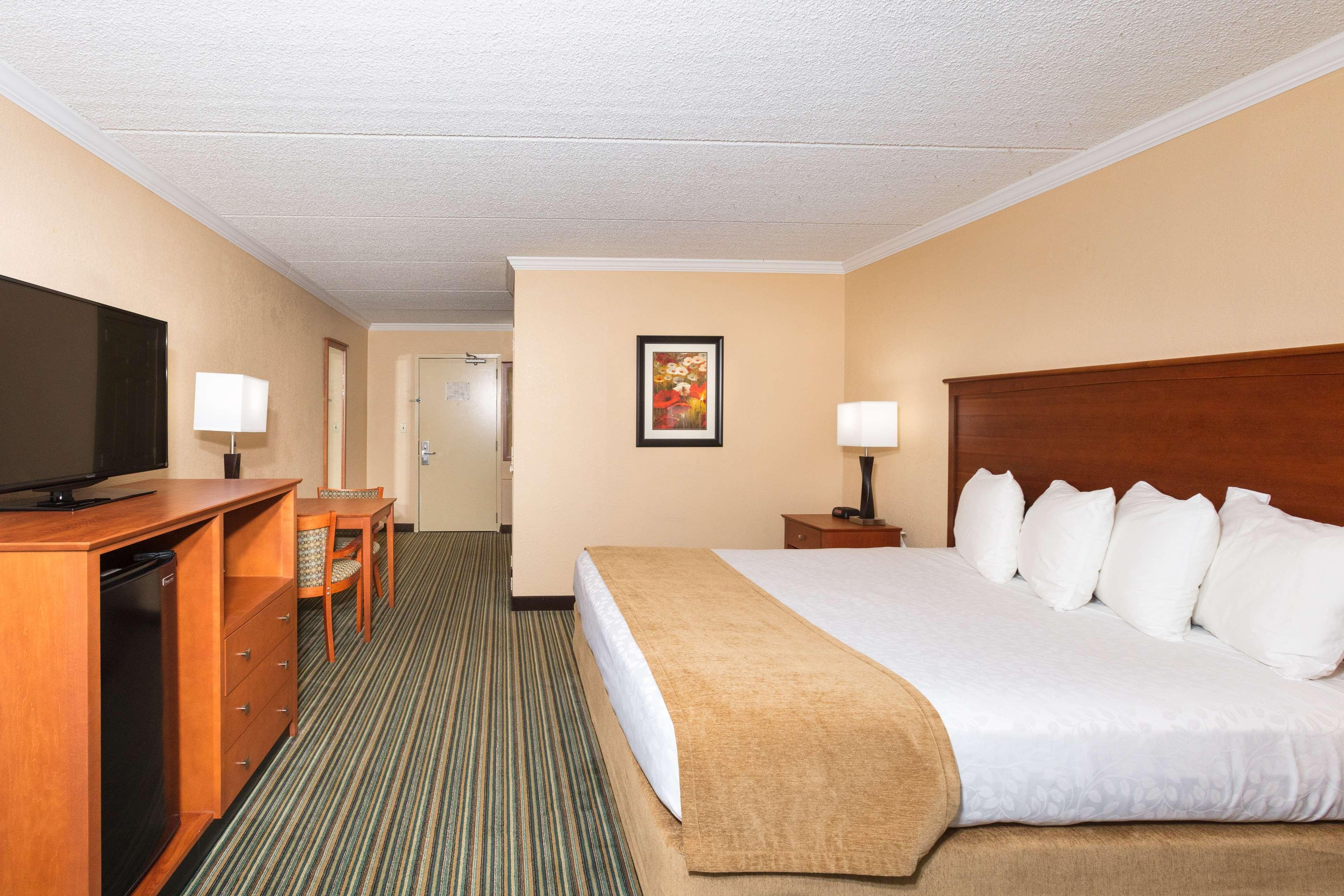 Best Western International Speedway Hotel image 26