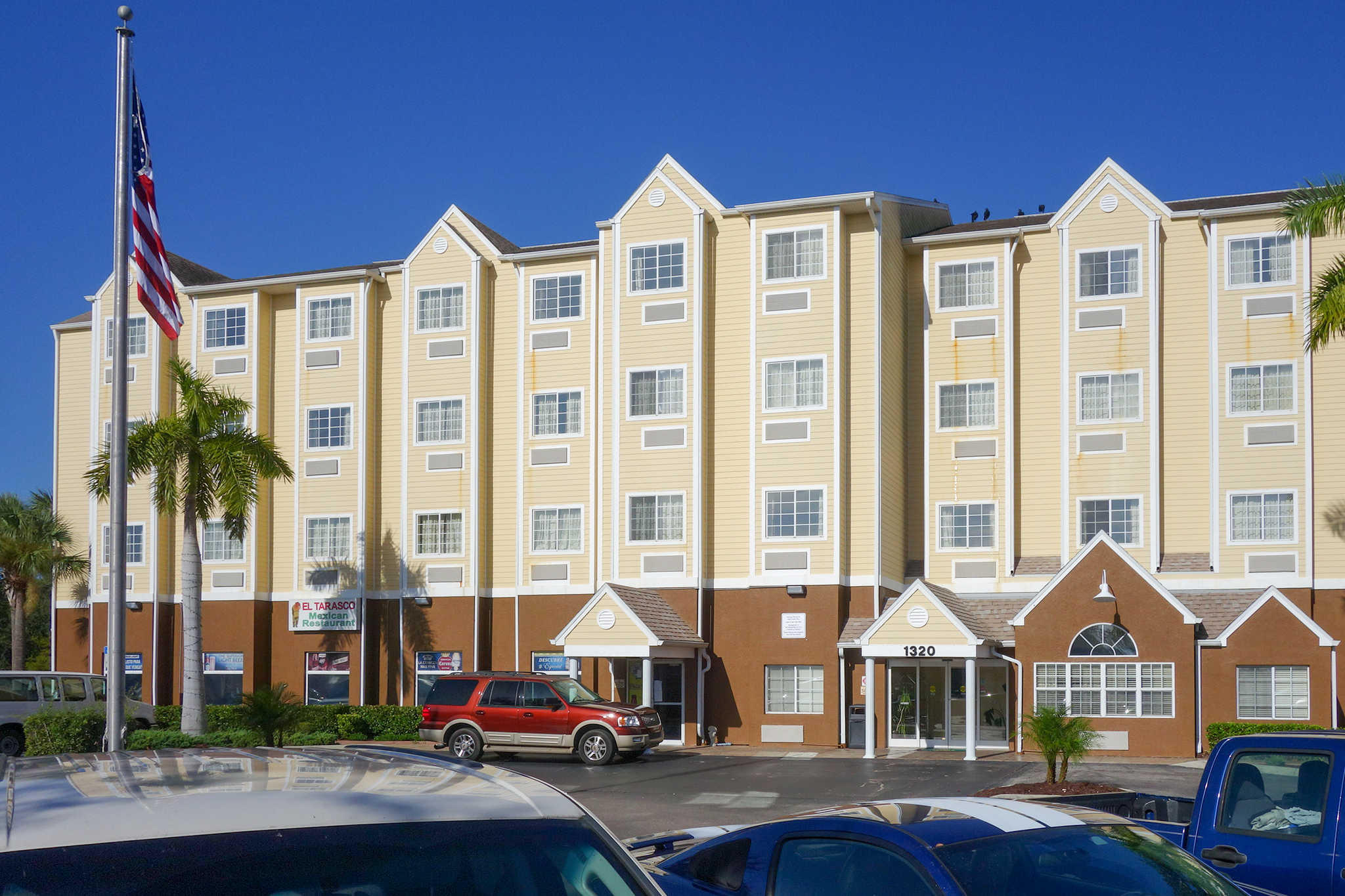 Quality Inn & Suites Lehigh Acres Fort Myers image 1