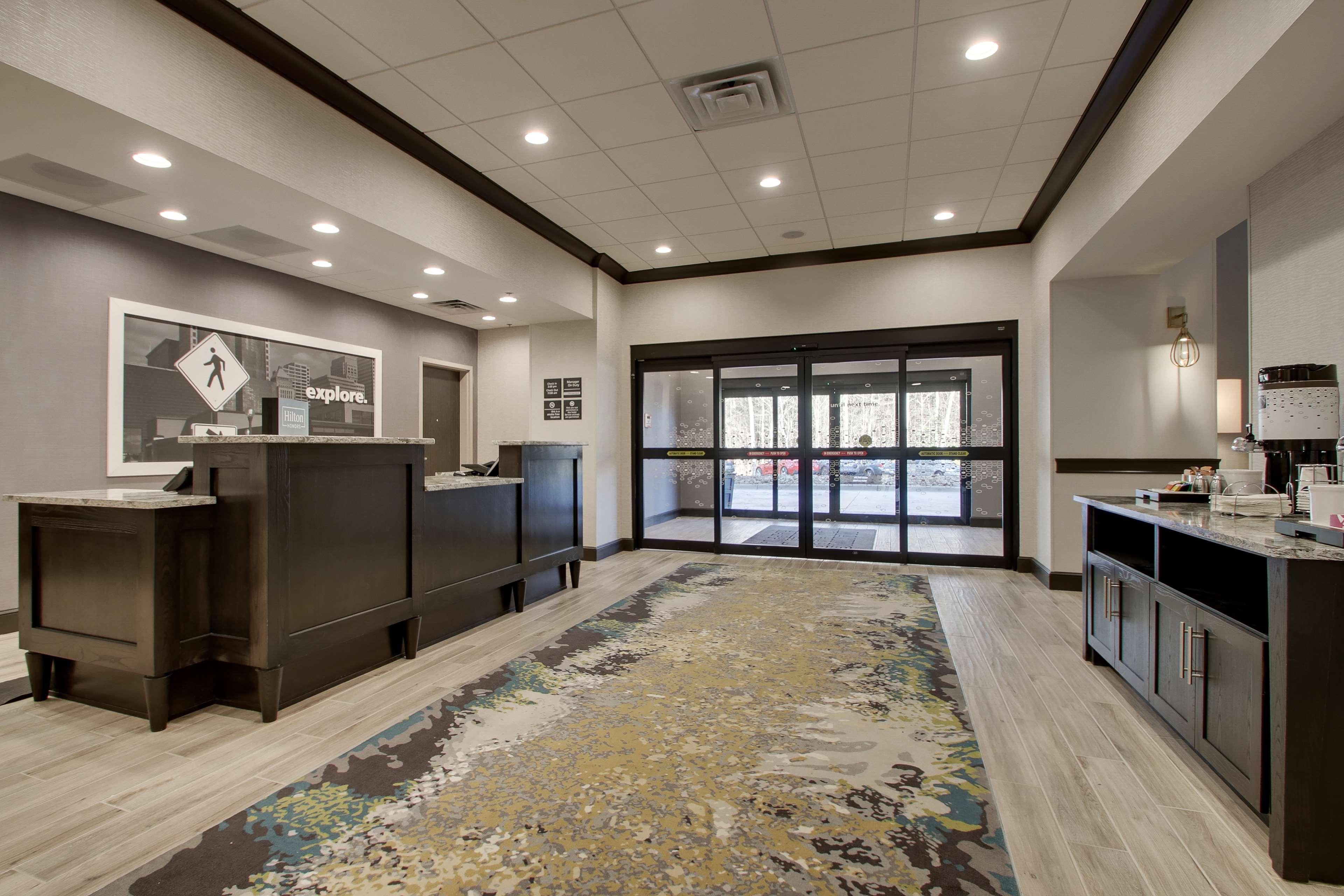 Hampton Inn & Suites Knightdale Raleigh image 4