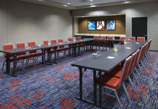 Courtyard by Marriott Philadelphia South at The Navy Yard image 7