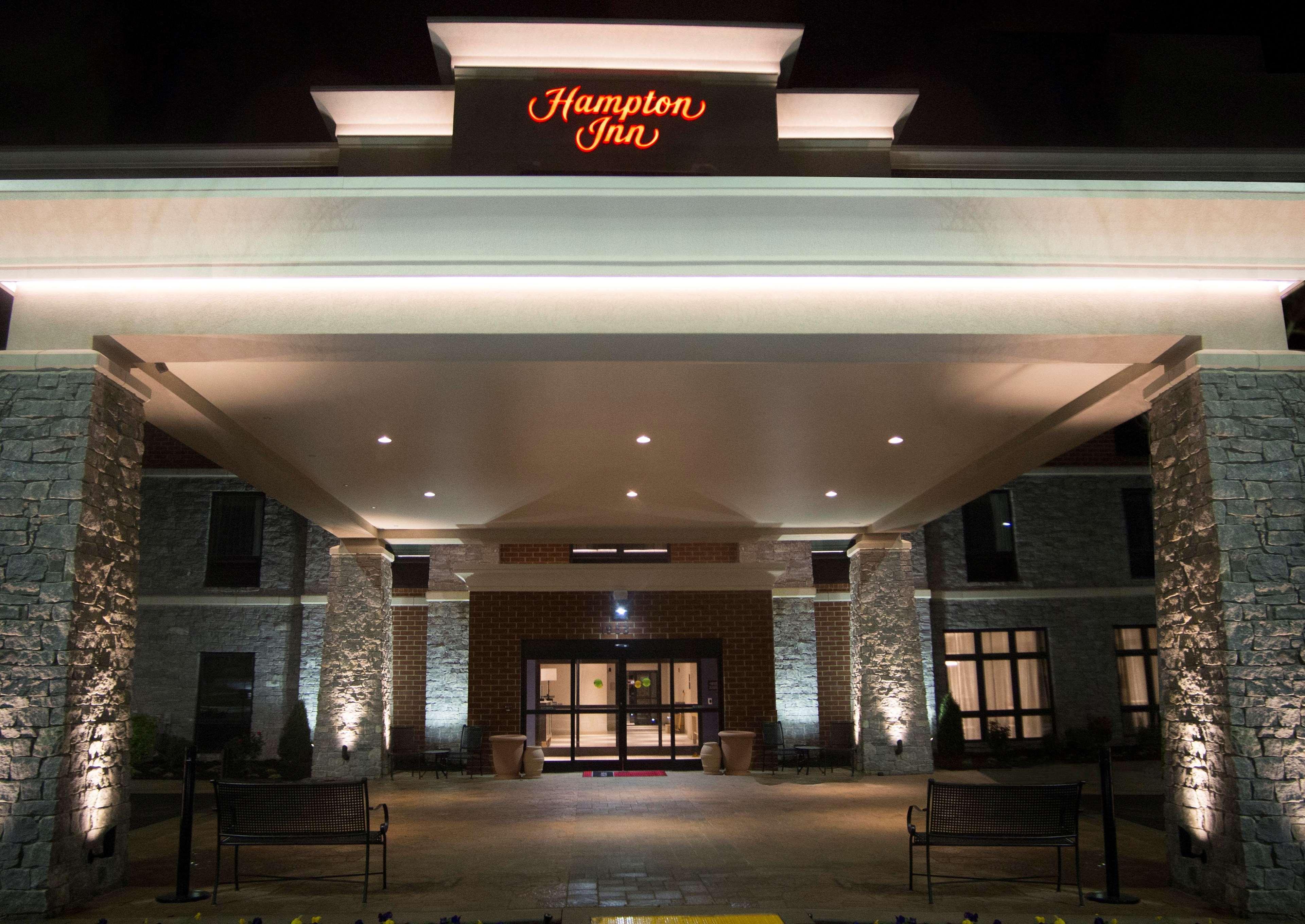 Hampton Inn Lexington Medical Center image 9