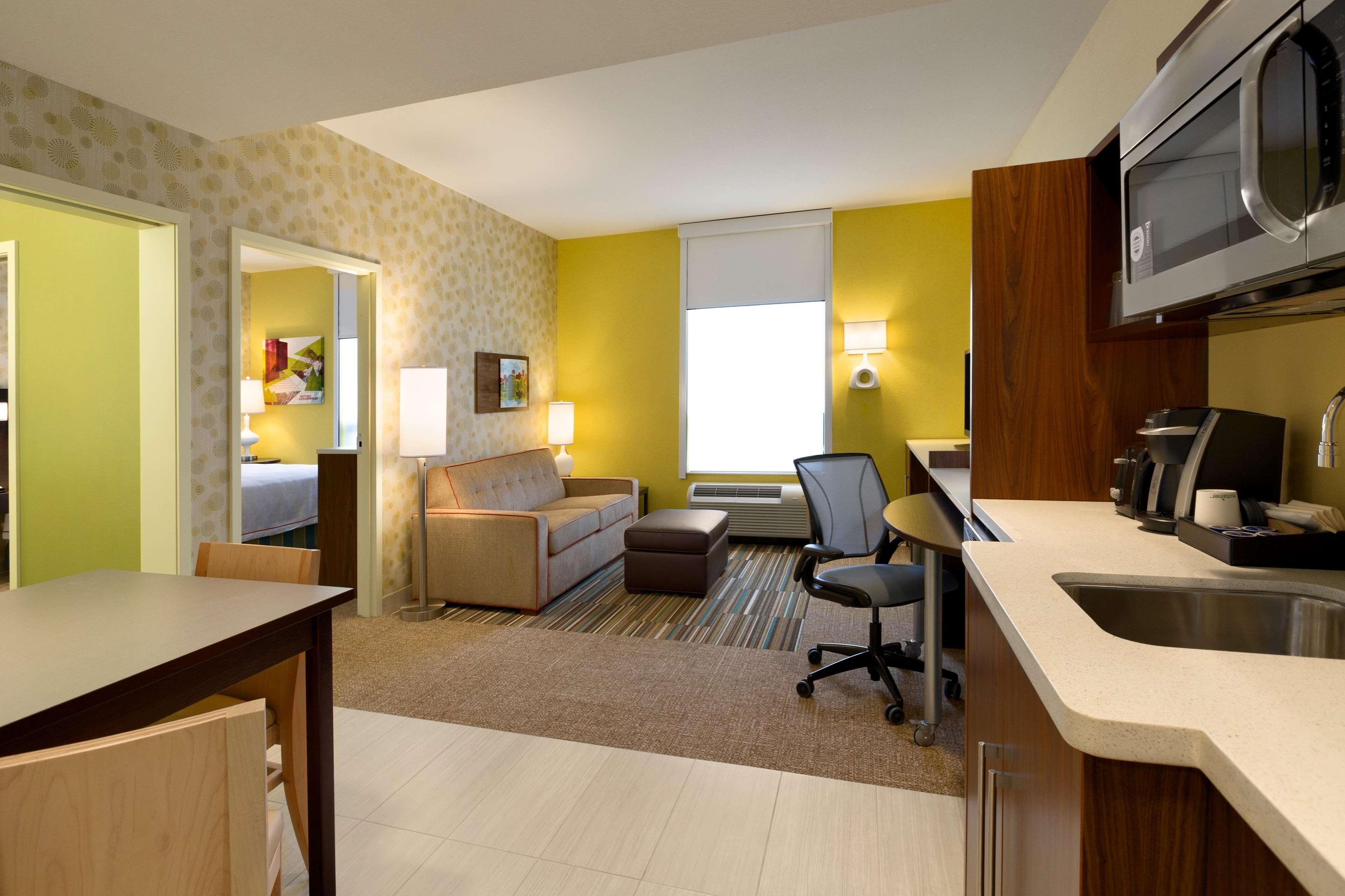 Home2 Suites by Hilton West Edmonton, Alberta, Canada à Edmonton: 1 Queen 1 Bedroom Suite