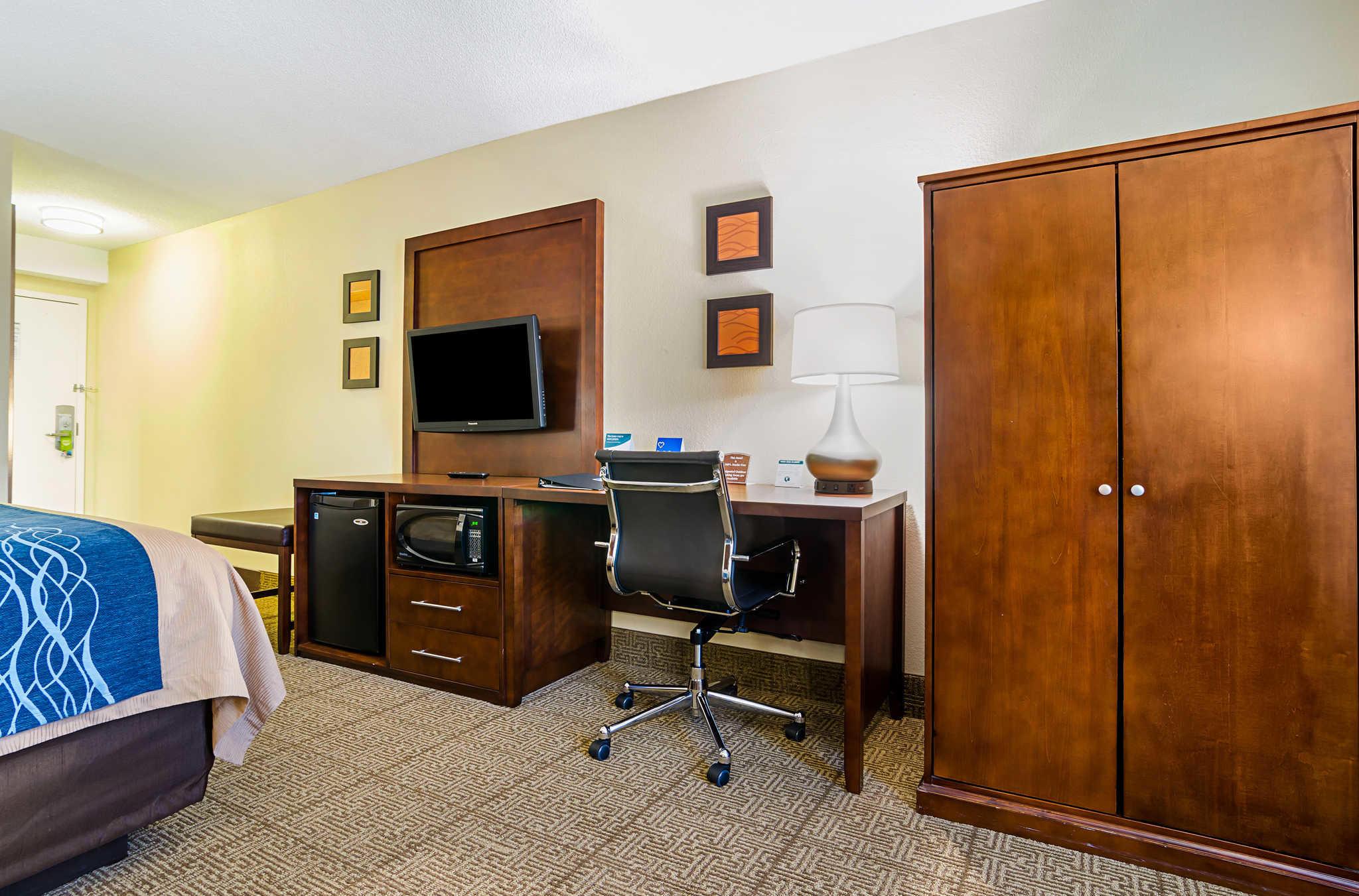Comfort Inn & Suites Duke University-Downtown image 19