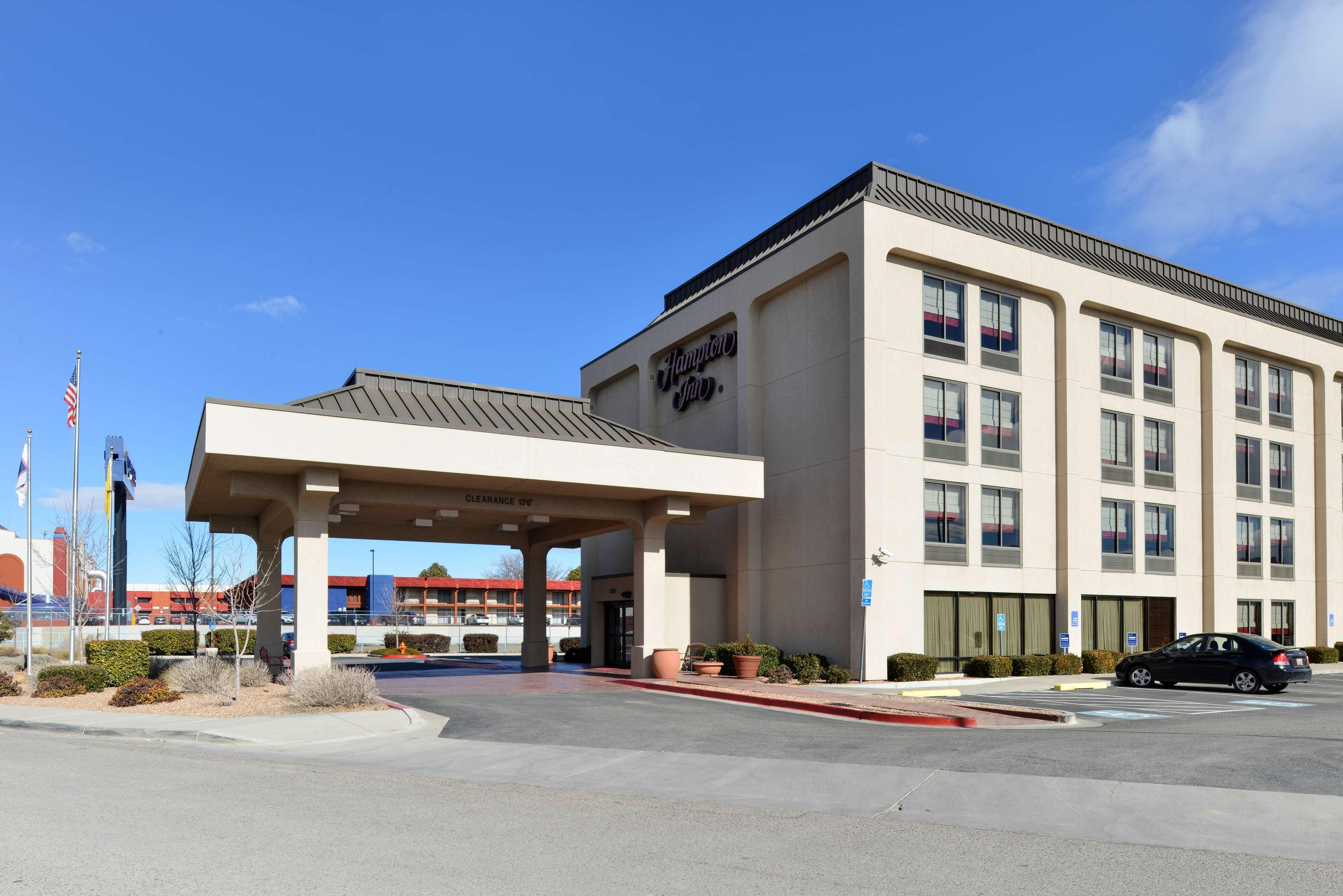 Hampton Inn Albuquerque-University/Midtown image 1